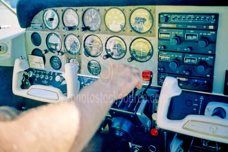 Beechcraft Sundowner 180,beechcraft,airplane,sundowner 180,instrument panel,airplanes,aeronautics