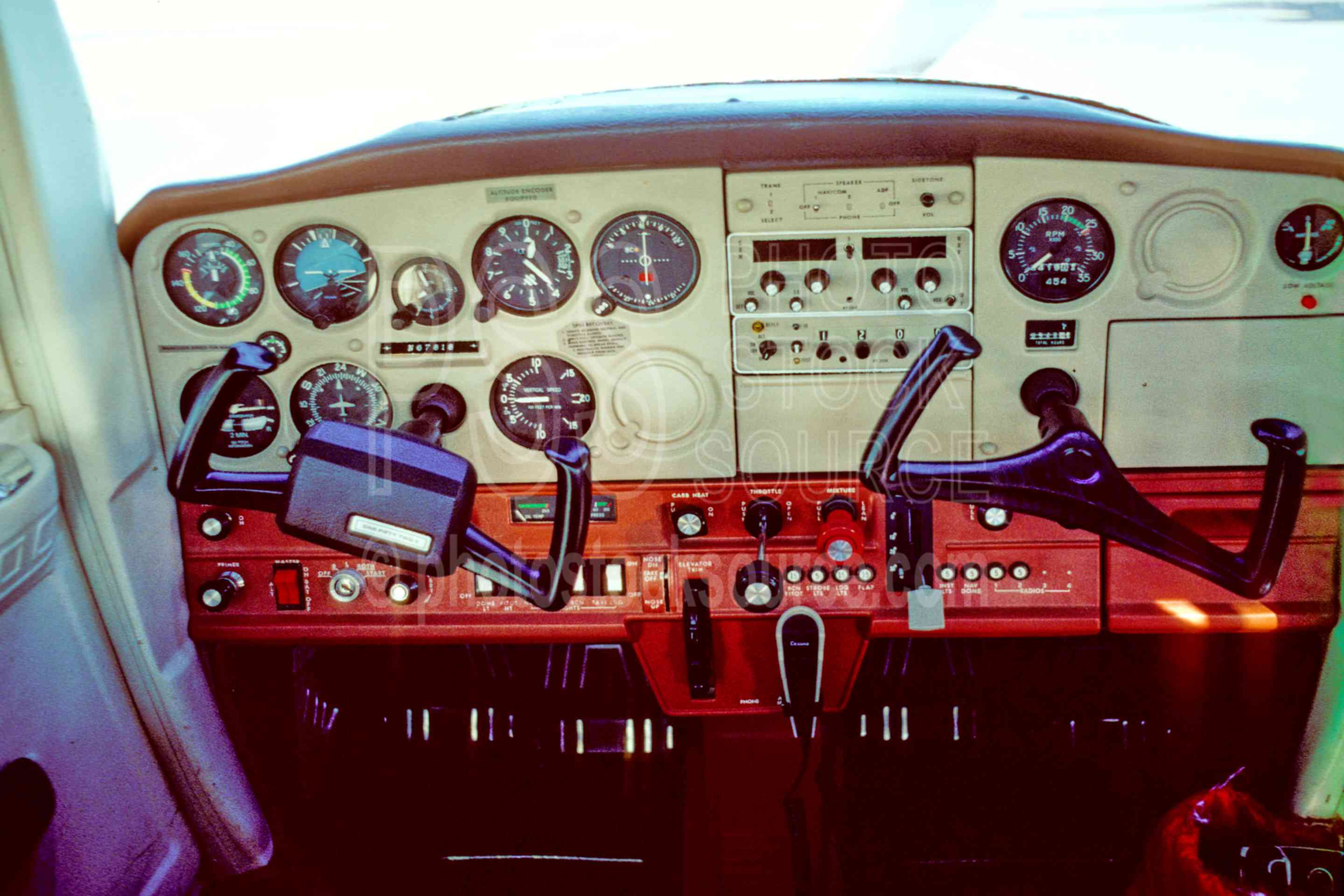 Cessna 152,instrument panel,controls,airplane,usas,airplanes,aeronautics