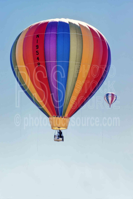 Rainbow In Flight,flight,flys,hot air balloon,aeronautics,rainbow,usas,color