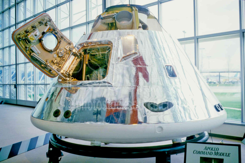 Apollo Command Module,museum,space capsule,usas,museums,aeronautics