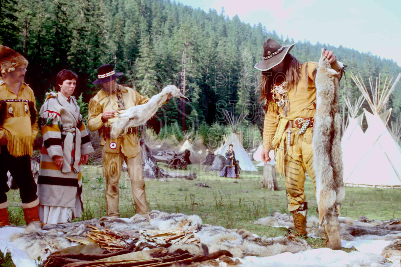 Buckskinners and Furs,buckskinner,coyote,furs,mountain man,pelt,skin,usas,mountain men,frog hollar