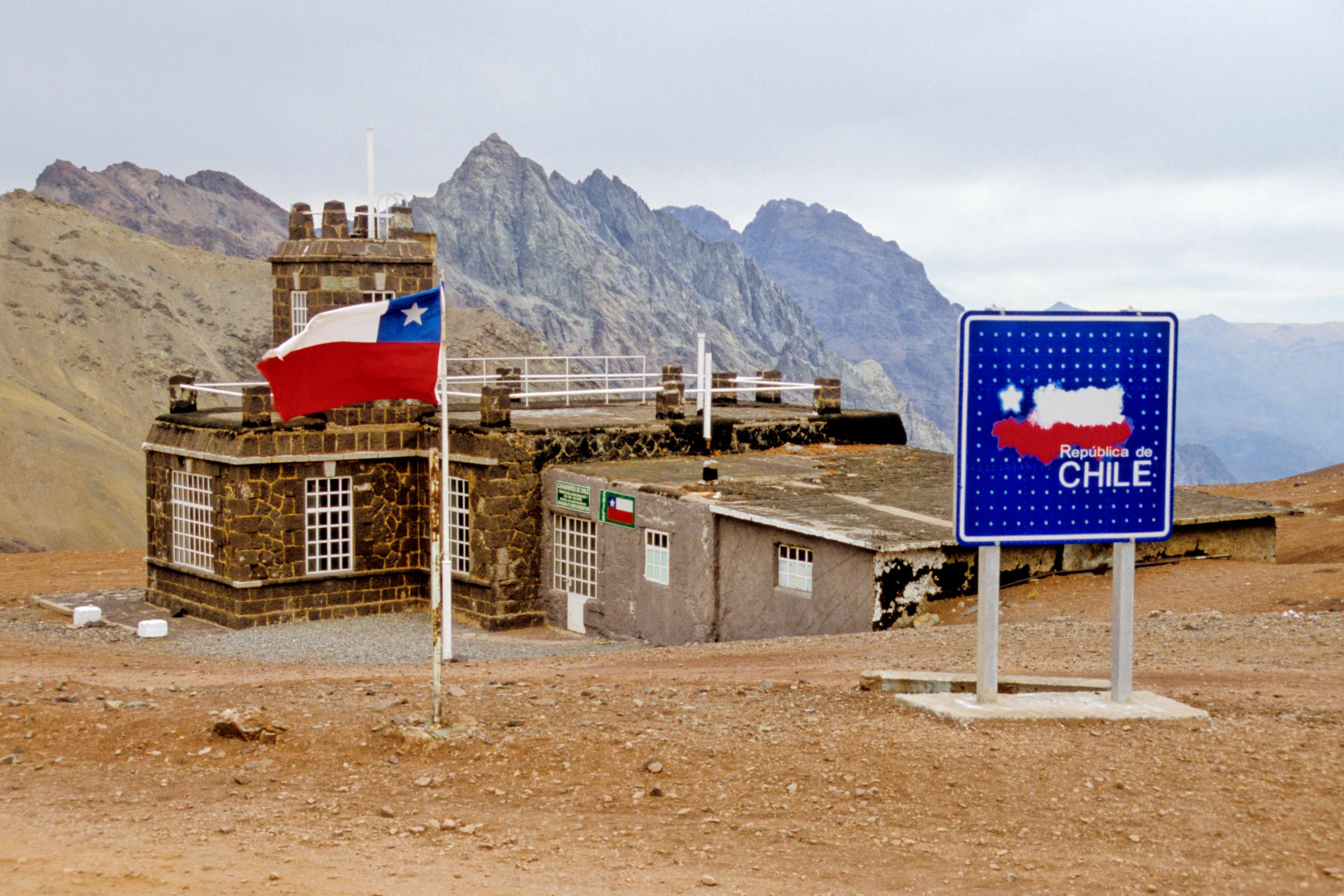 Chilean Mountain Station,pass,border,frontier,chile,flag,nature