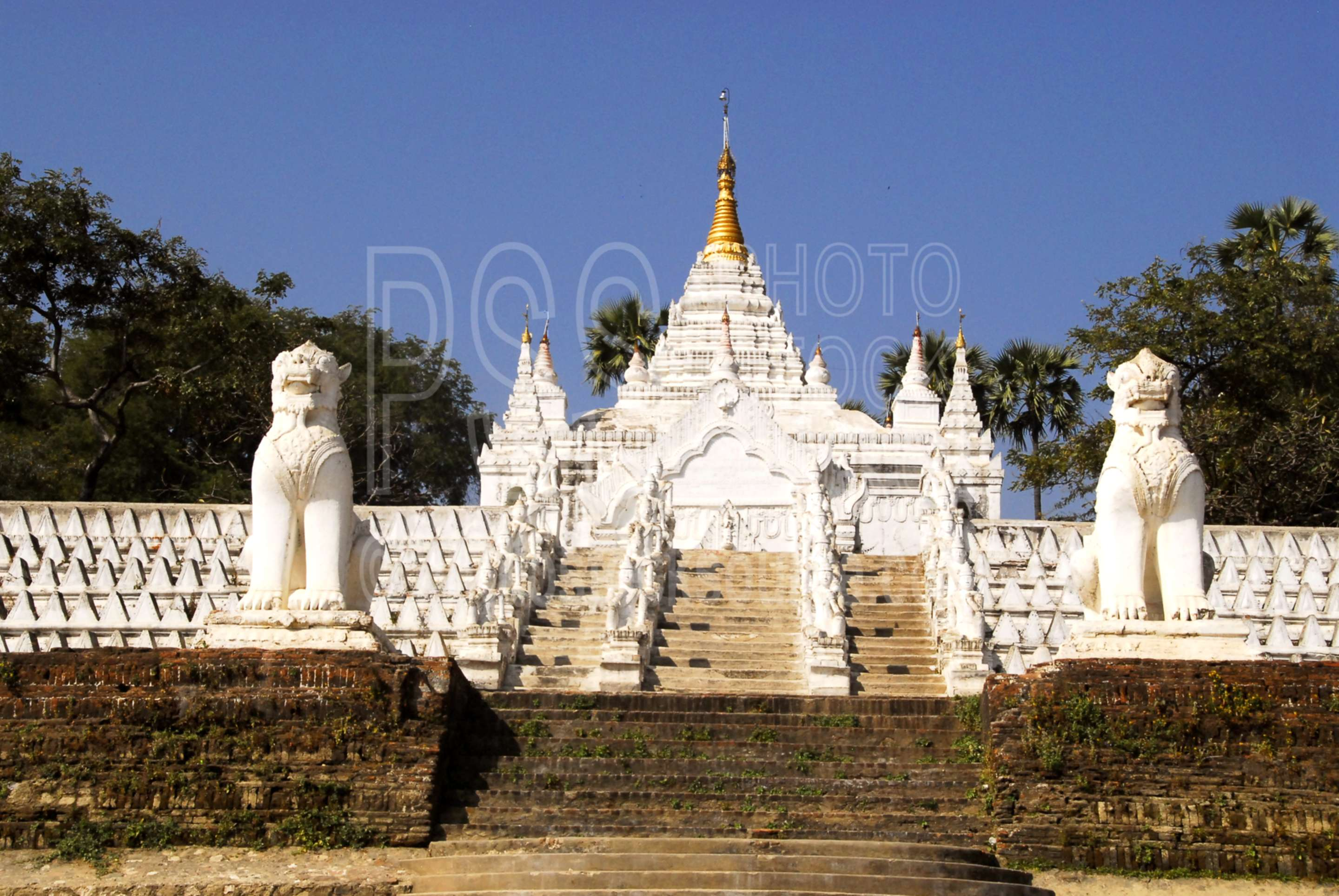 Hsinphyumae Pagoda,myanmar,temple,pagoda,buddhist,religion,myatheindan,chinthe,lions,statues