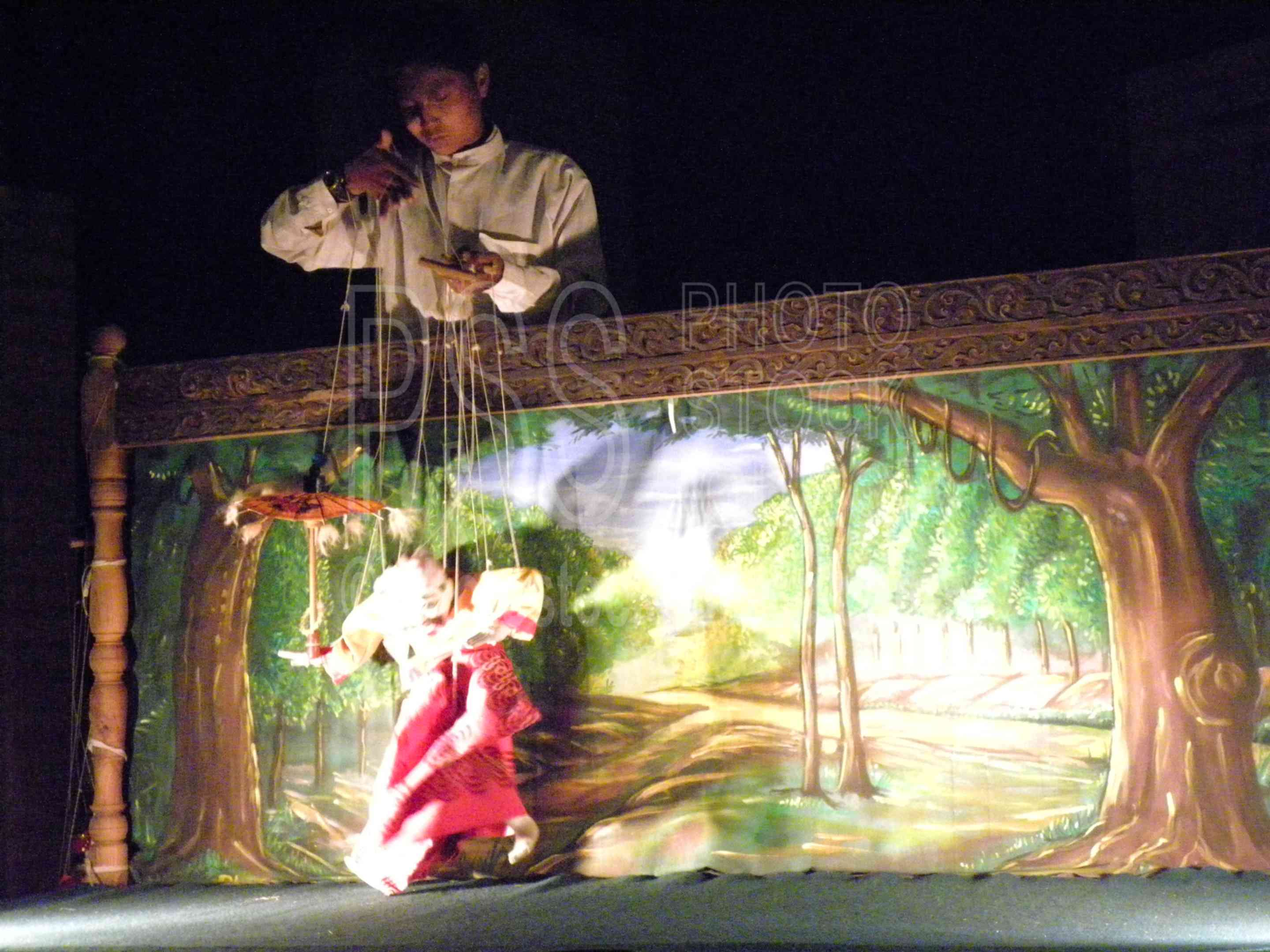 Burmese Puppet Show,myanmar,man,puppets,marionette,string,show,production,performance,puppet show,pagan