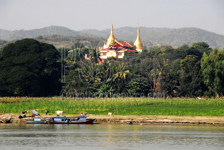 Min Kun Pagoda,myanmar,boats,irrawaddy river,ayeyarwady,bank,river bank