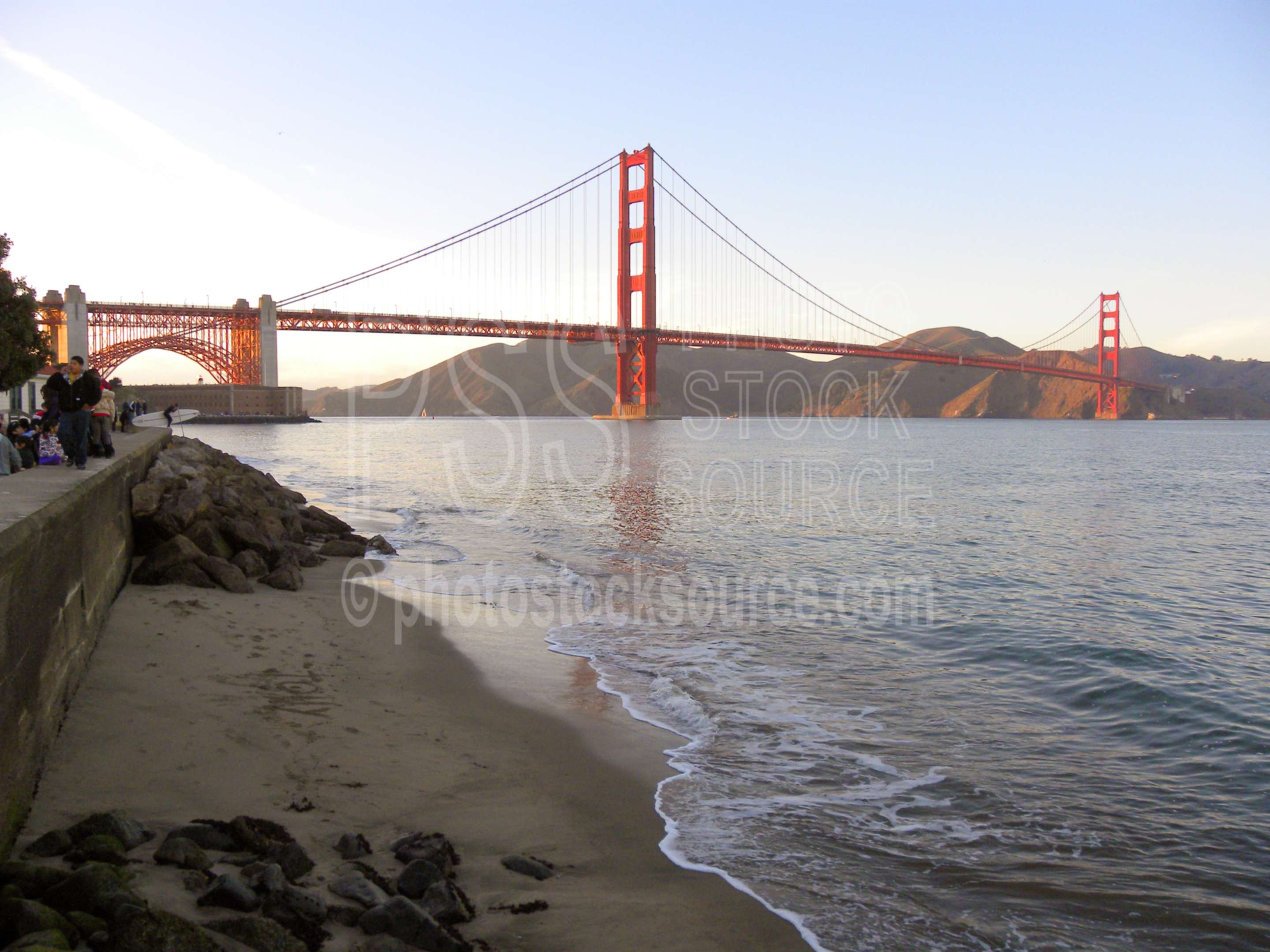 Golden Gate Bridge,bridge,landmark,bay,san francisco bay,suspension bridge,architecture,bridges