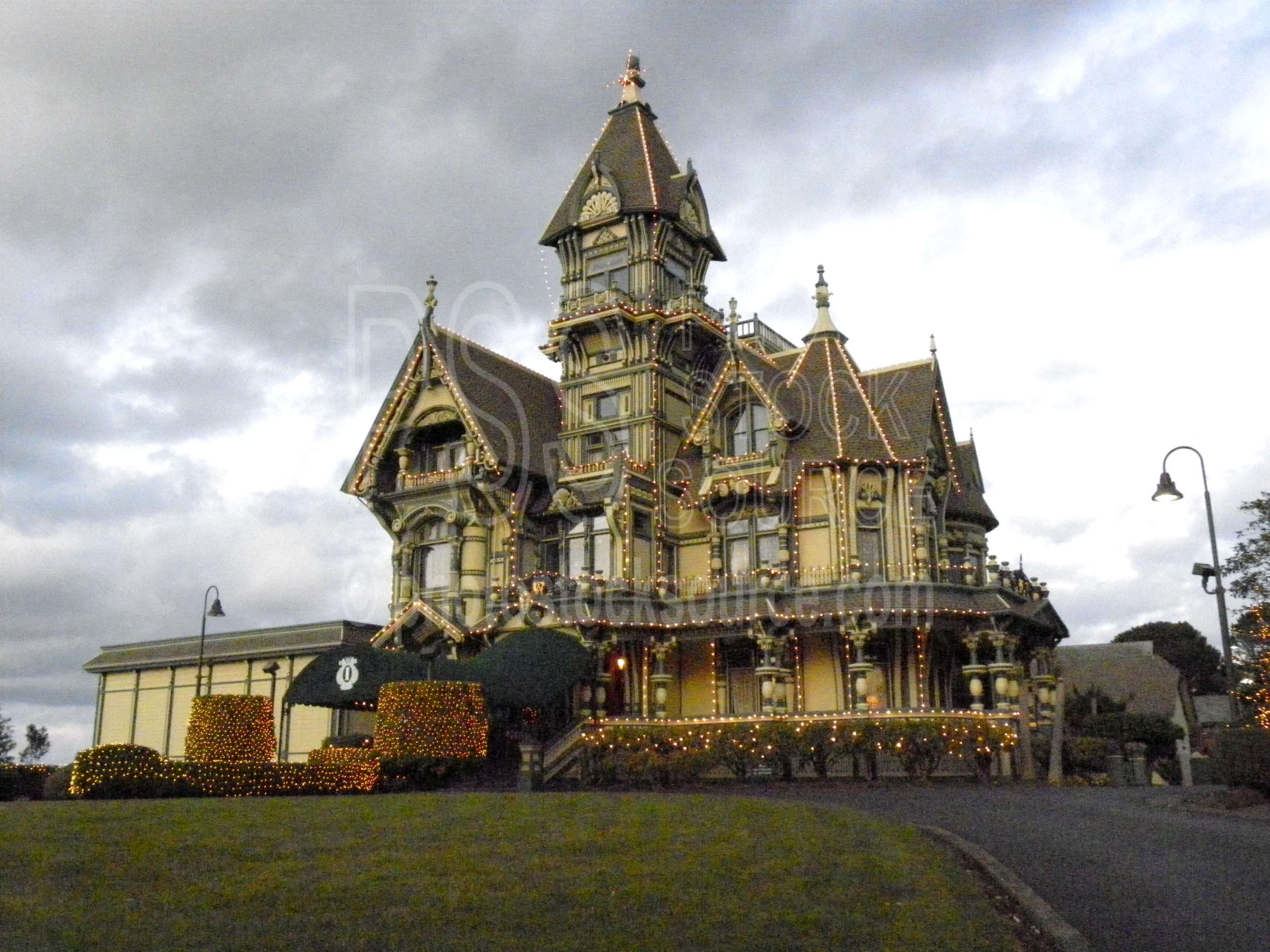 Carlson Mansion,landmark,house,historical,victorian,victorian mansion,painted lady,exclusive,club,high society