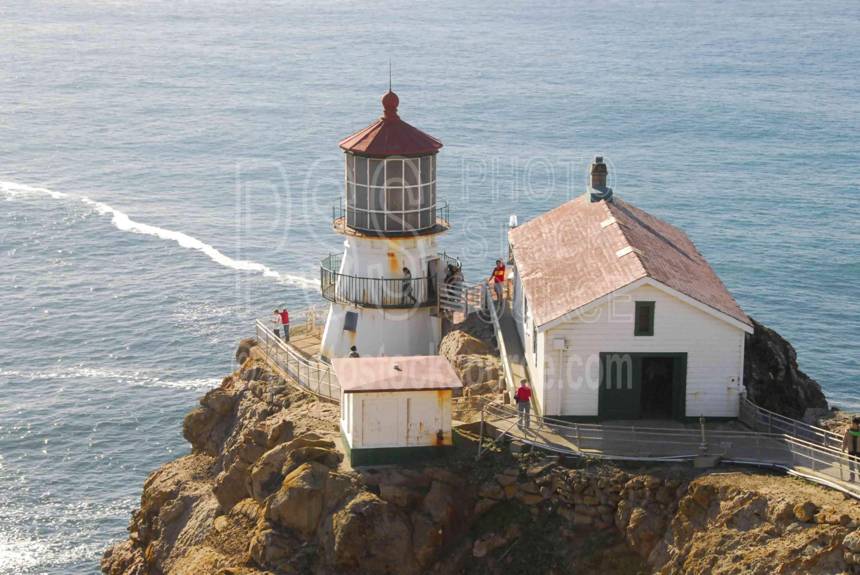Point Reyes Lighthouse,landmark,lighthouse,light,beacon,navigation,aid,shipping,commerical,lighthouses