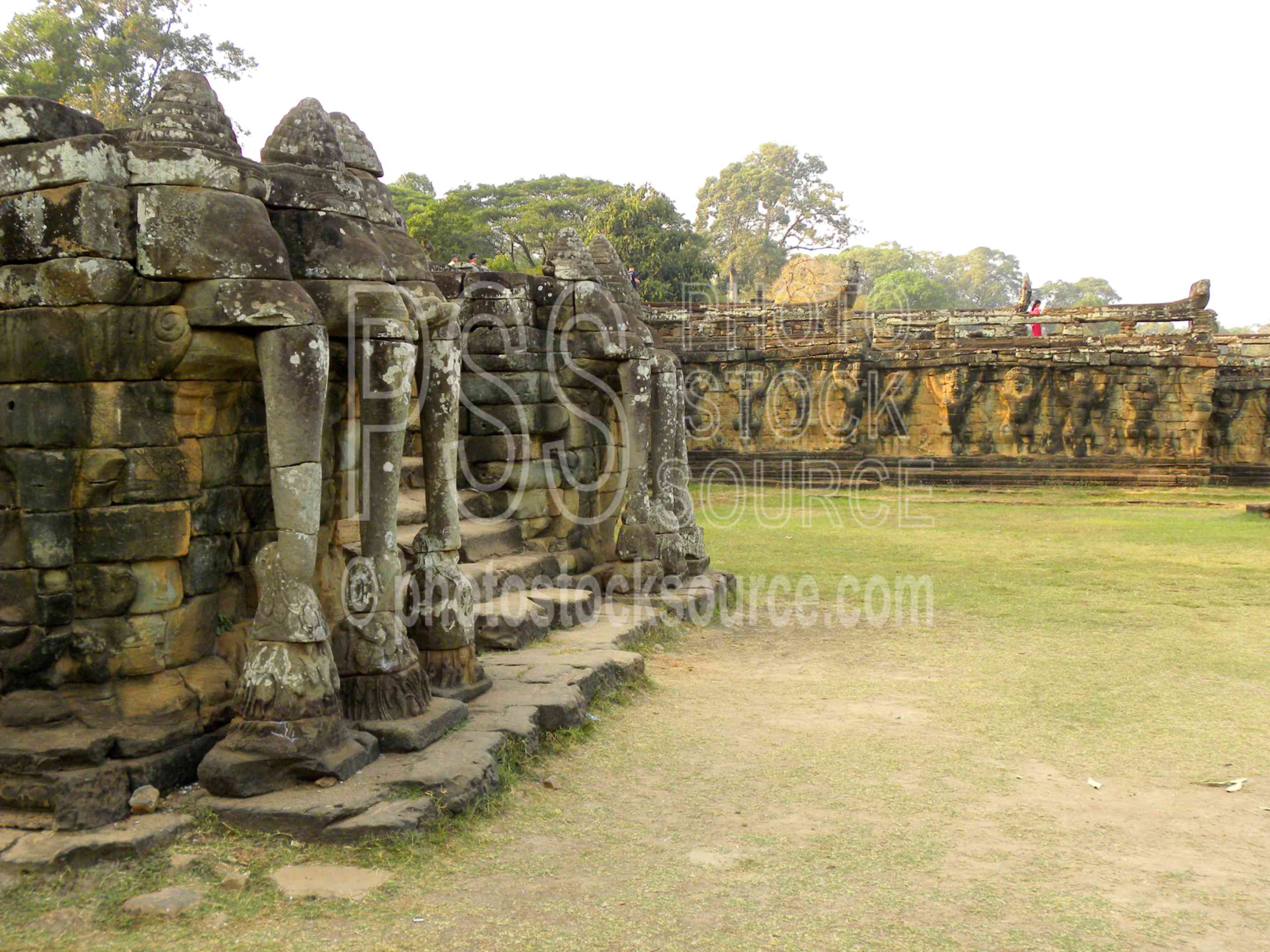 Three Headed Elephant,temple,gate,statues,ruin,elephant,three headed elephant,airavata
