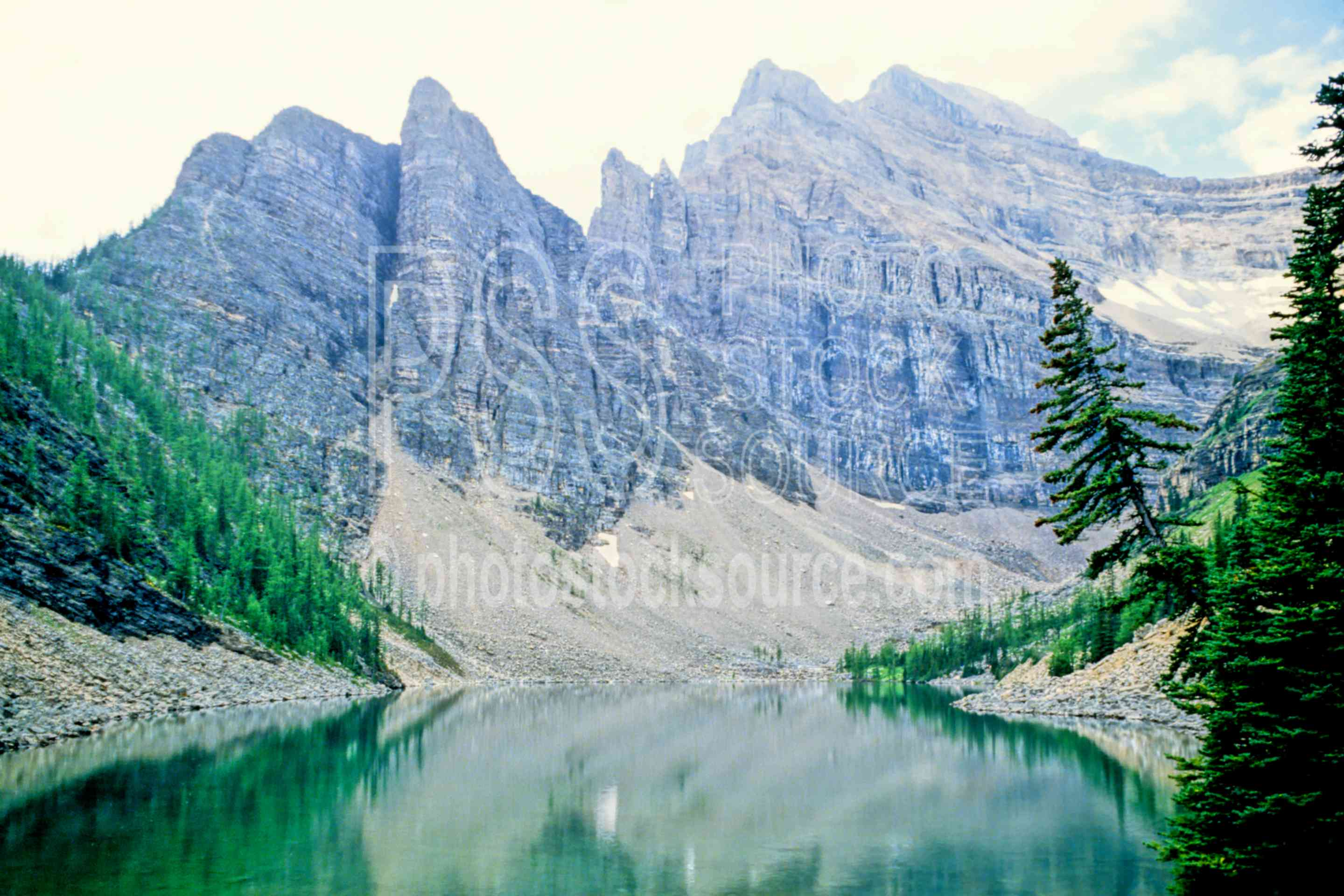 Lake Agnes,lake louise,mountain,lakes rivers