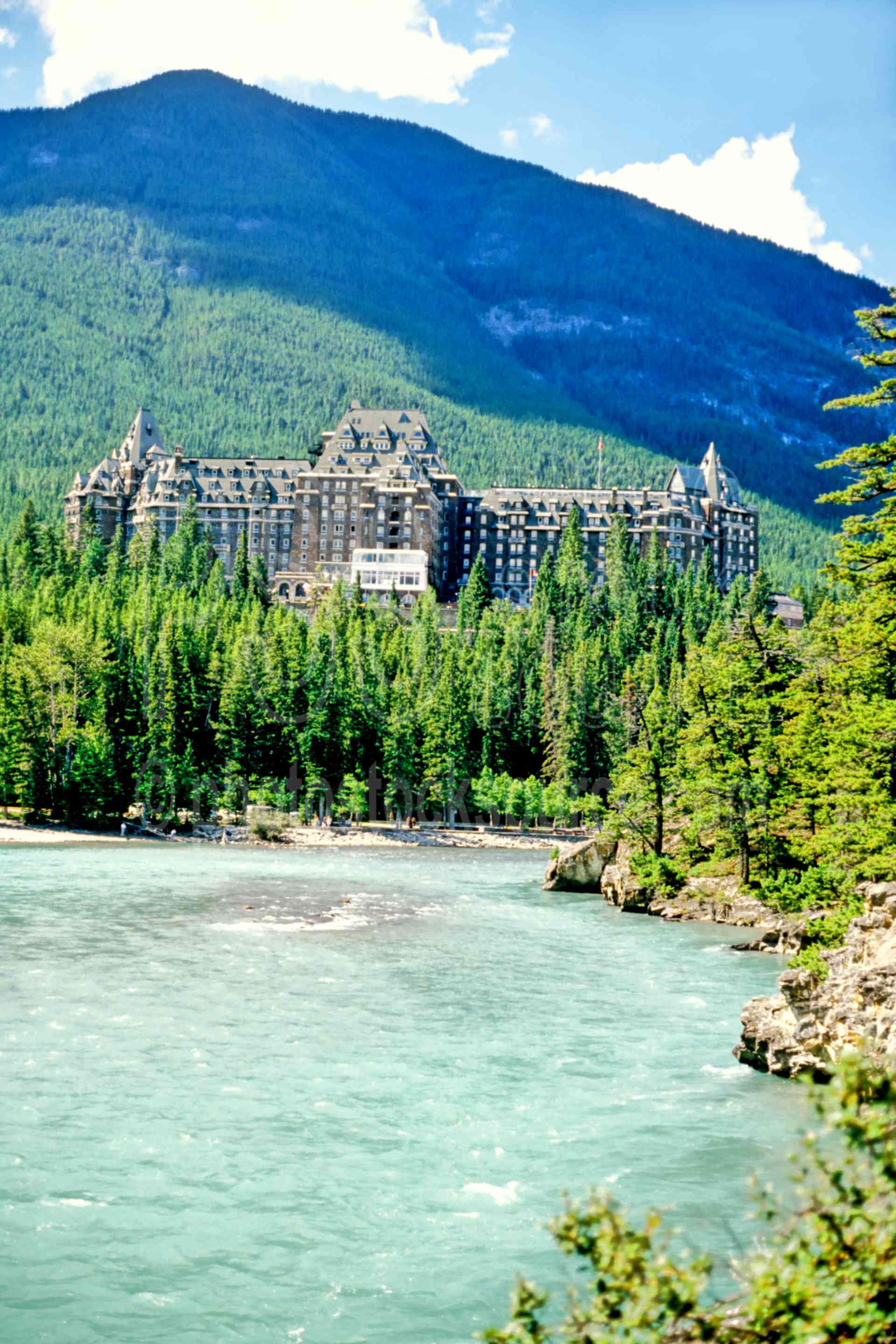 Banff Springs Hotel,hotel,river,lakes rivers
