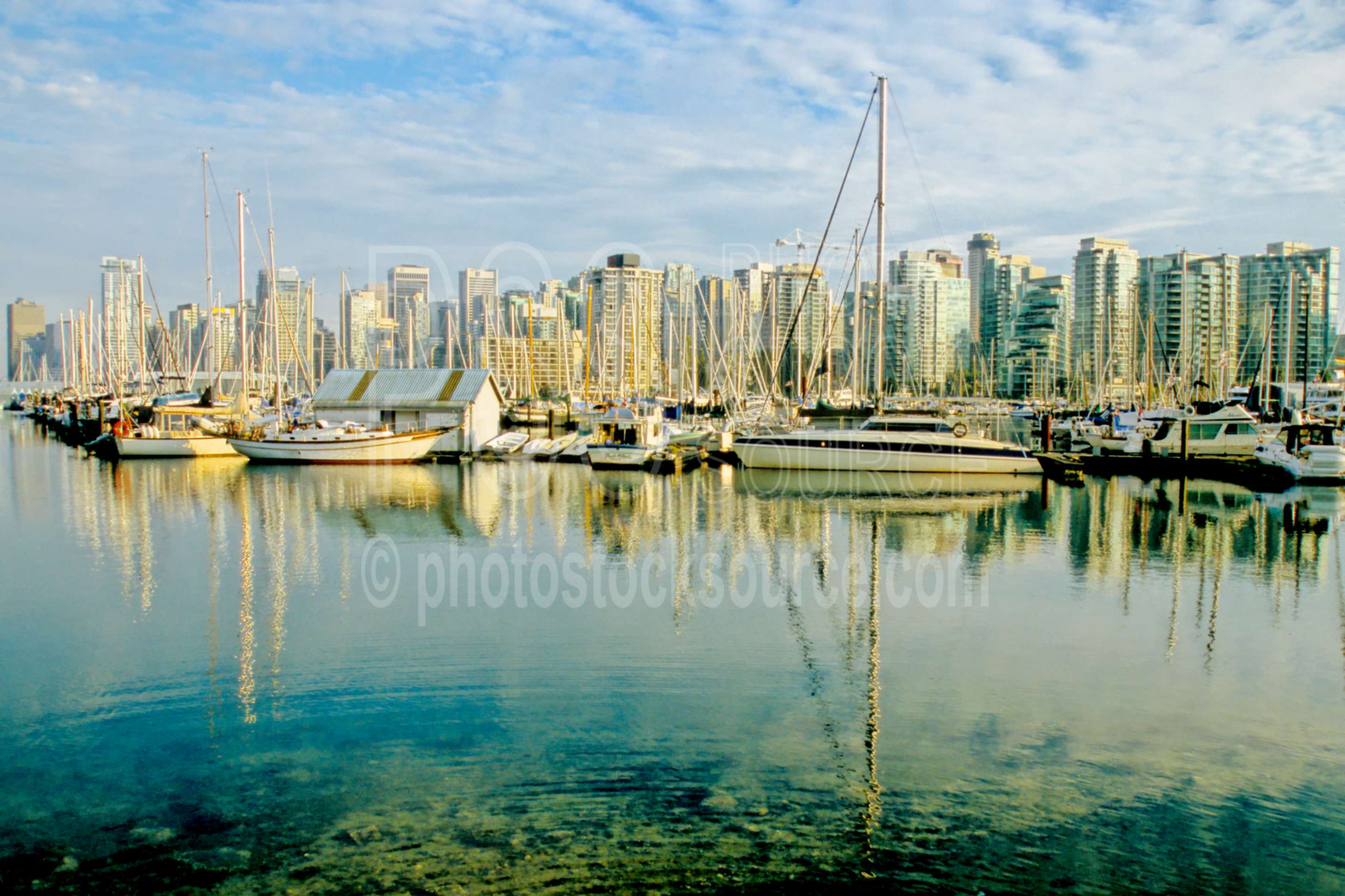 Royal Yacht Club,stanley park,boat,yacht,sailboat,harbor