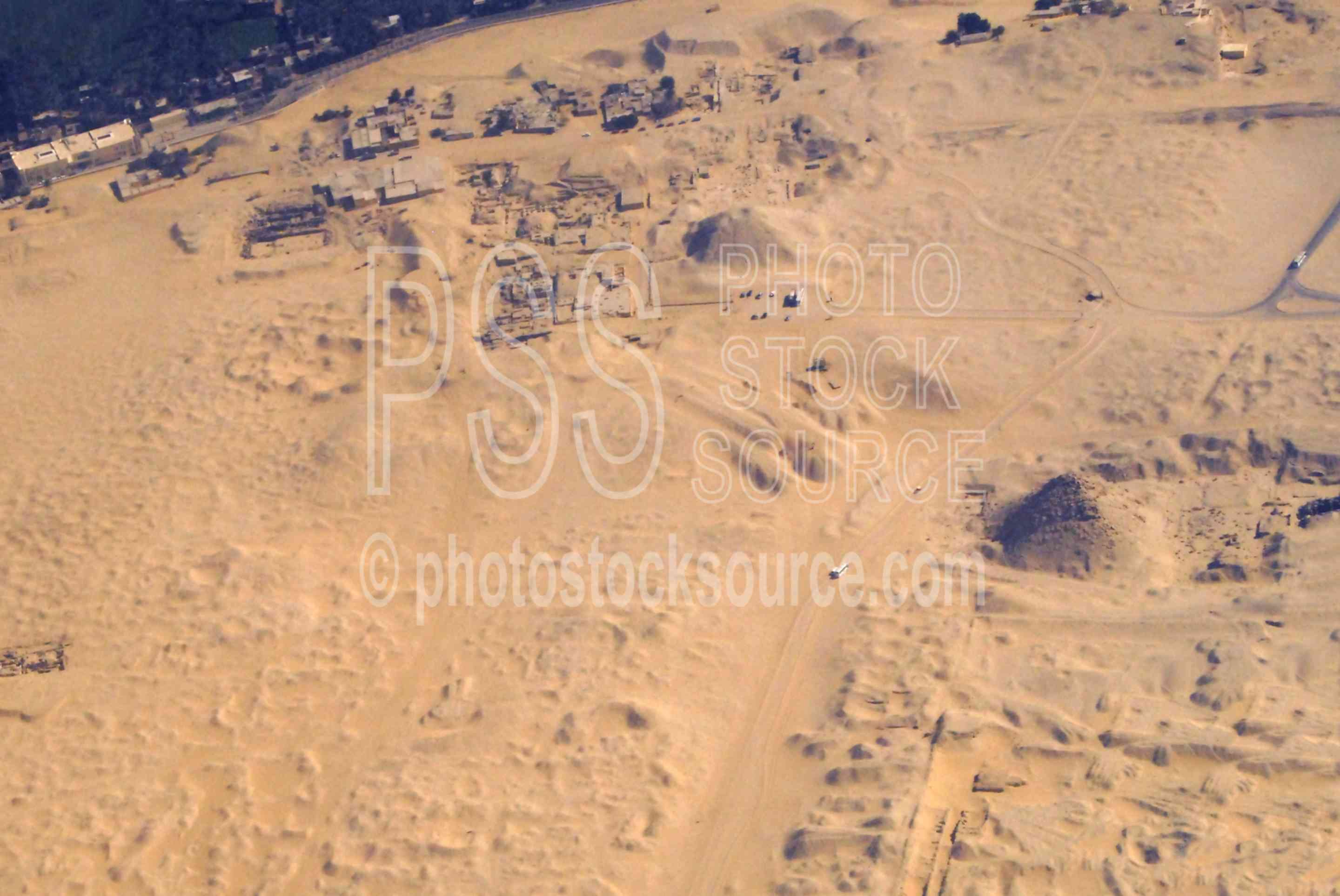Pyramid of Teti and Userkaf,aerial,desert,pyramids,pyramid of teti,pyramid of userkaf,aerials