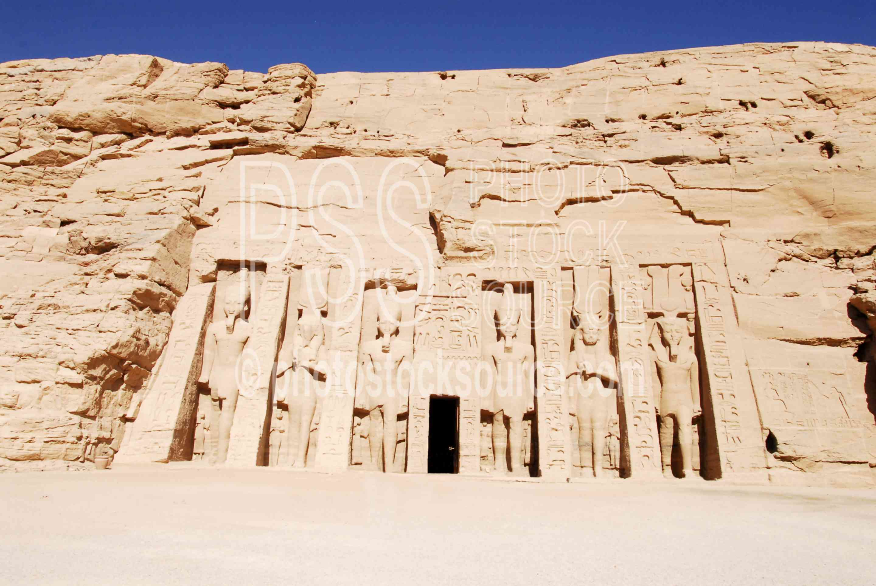 Temple of Hathor,temple,ramesses,statues,ramses,architecture,temples