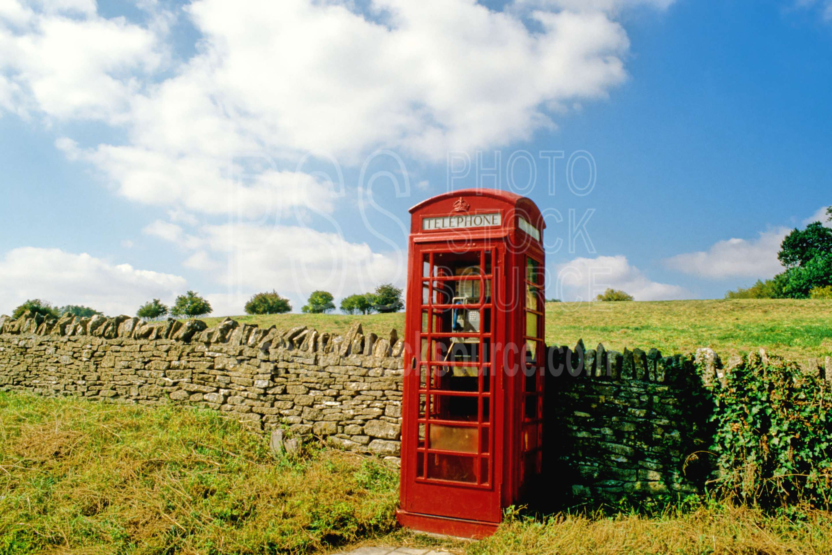 Country Phone Booth,europe,lower slaughter,phone booth,communication