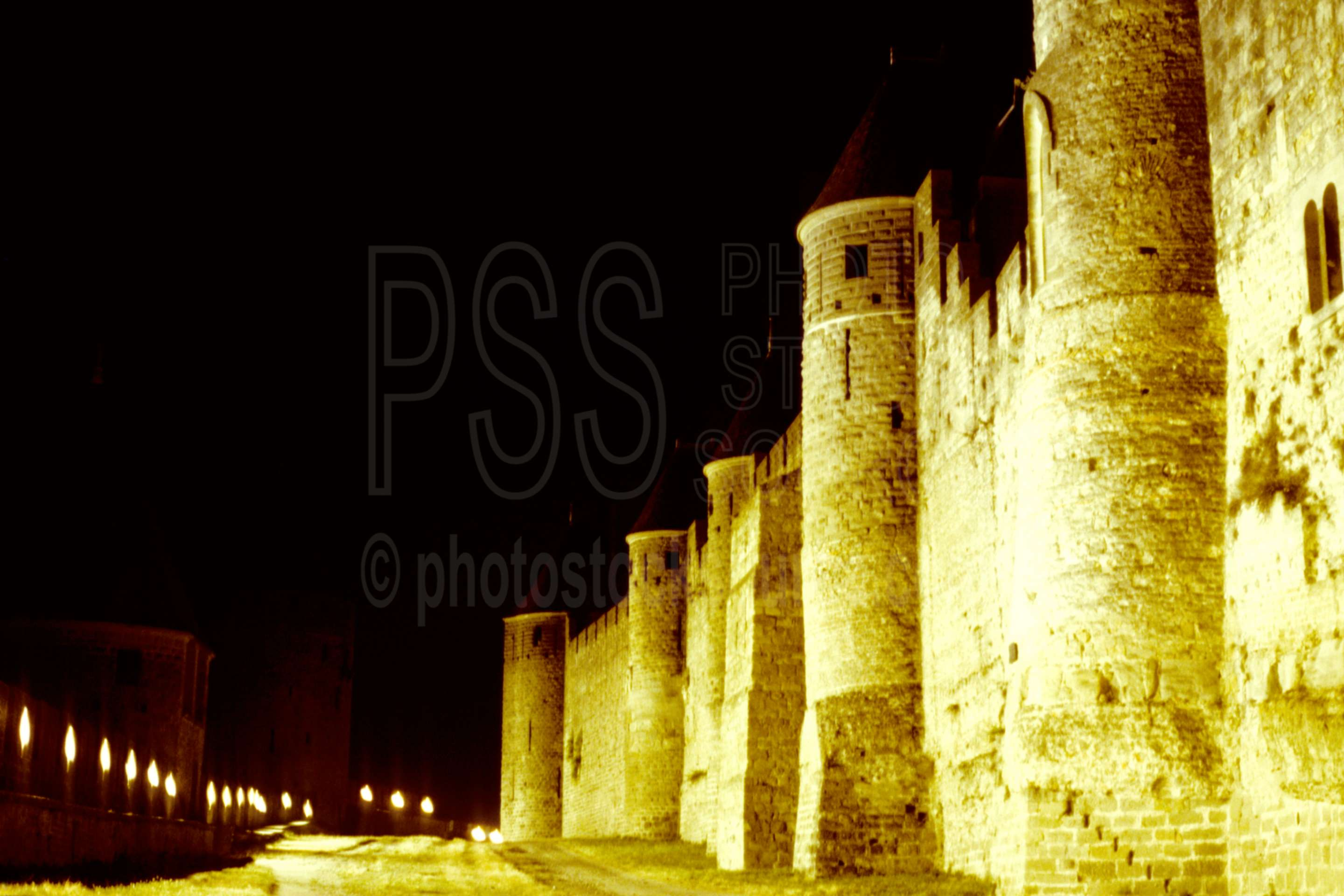 Walls at Night,walled city,france castles,cities