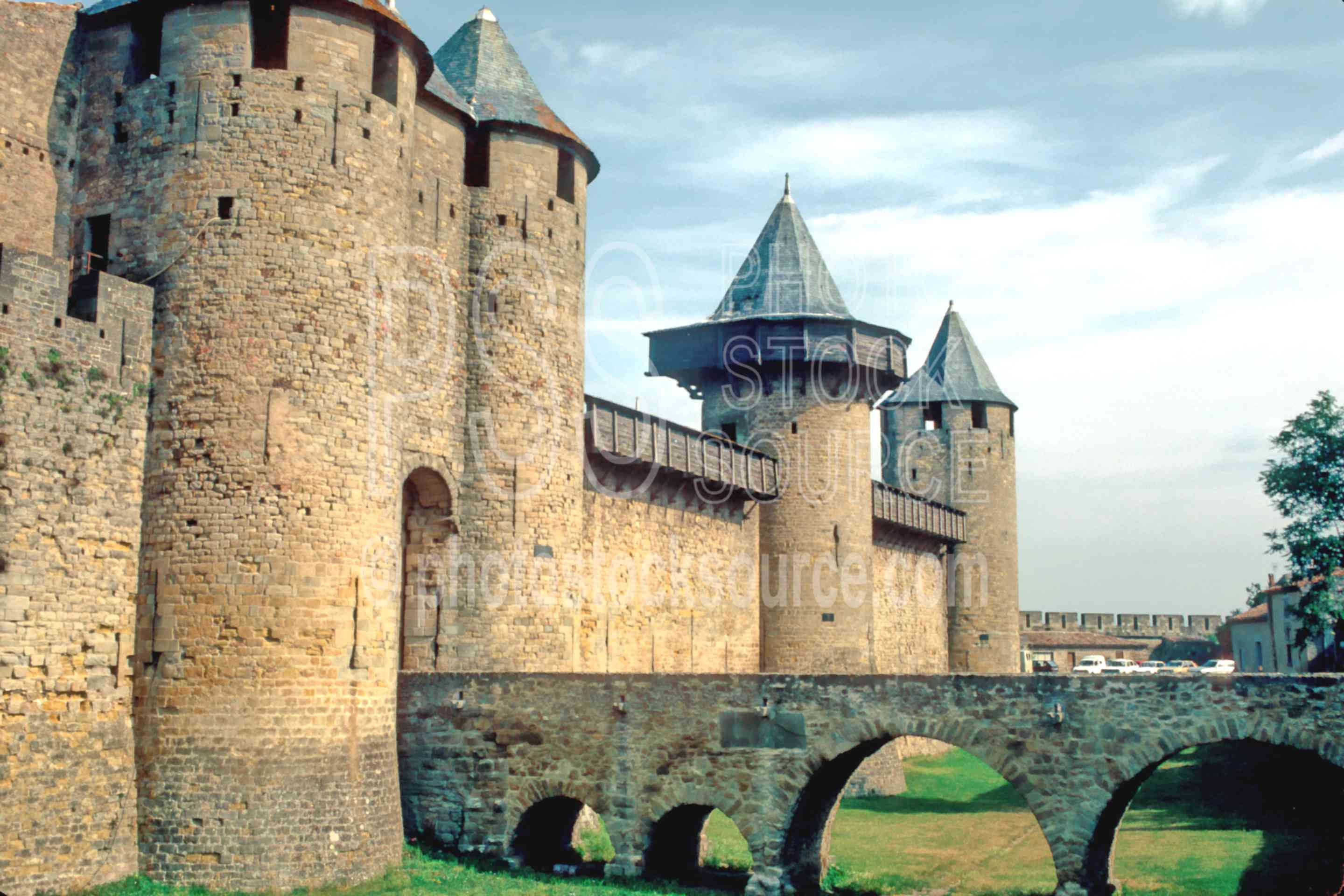 Outside the City Walls,bridge,castle,europe,medieval,wall,france castles,bridges