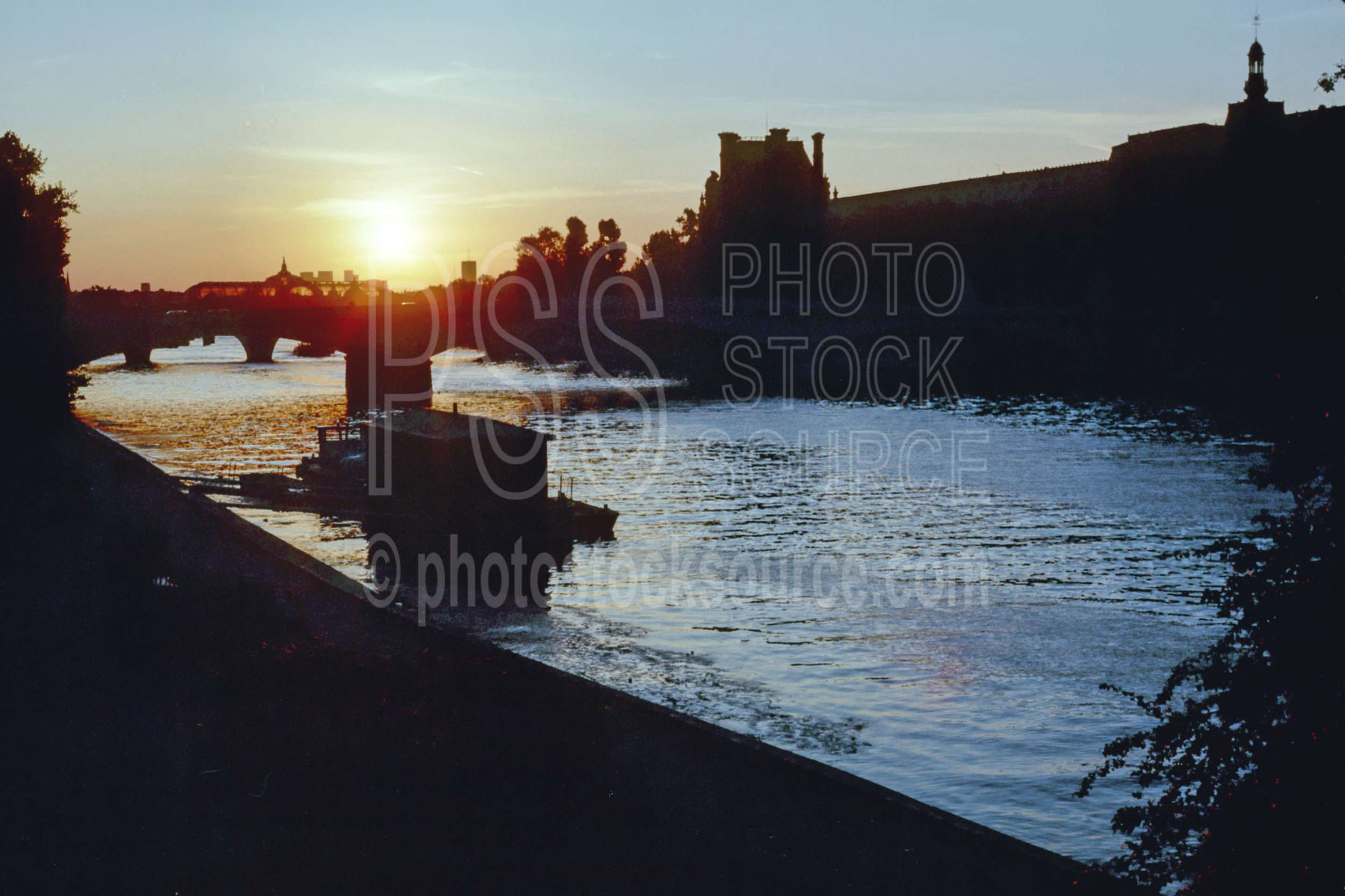 Siene Sunset,europe,river,siene river,lakes rivers