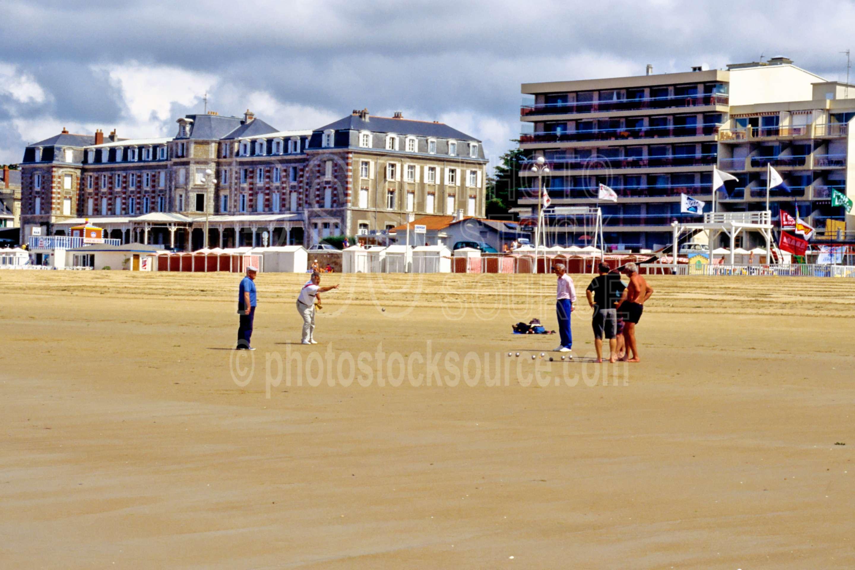 Bacci Ball,ball,beach,europe,mens,play,playing