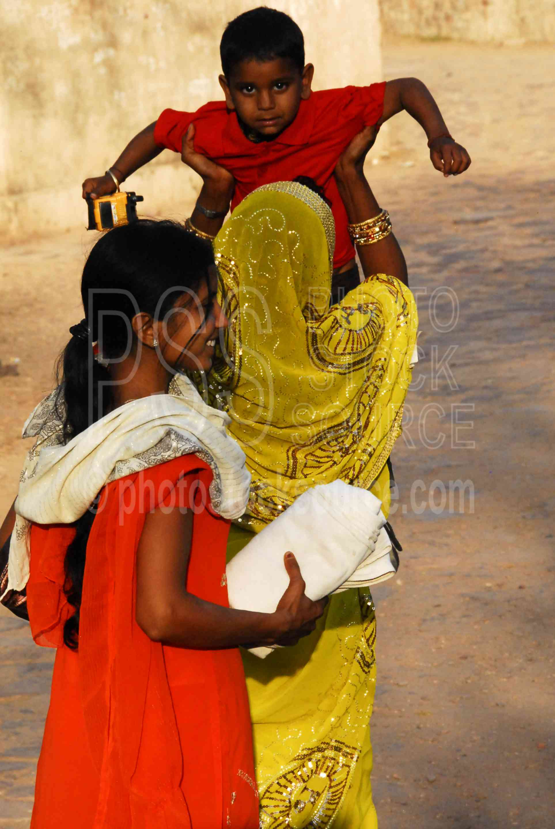 Woman with Child,fort,ranthambore,woman,child,carrying