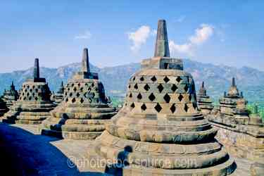 Stupas - Stupas at the top of the temple
