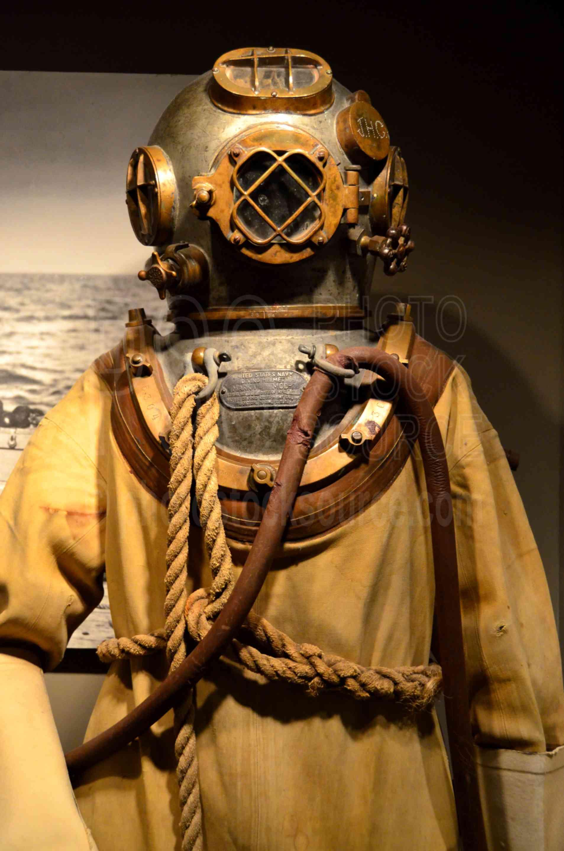 Mark V Deep Sea Diving Suit,maritime,museum,diving,deep,deep sea,pressure,vintage,historic,helmet