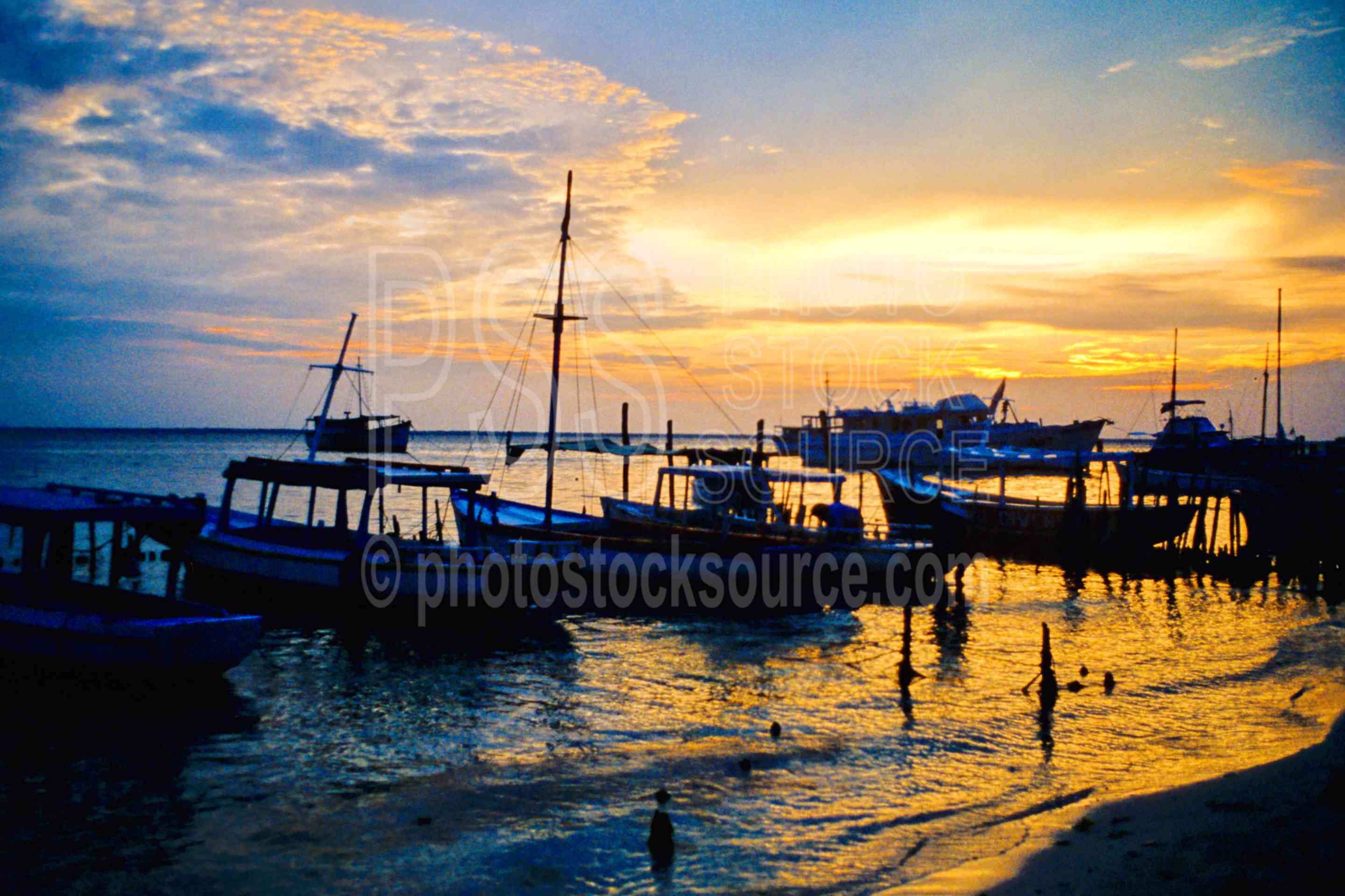 Boats at Sunset,ocean,sunset,seascapes,boats