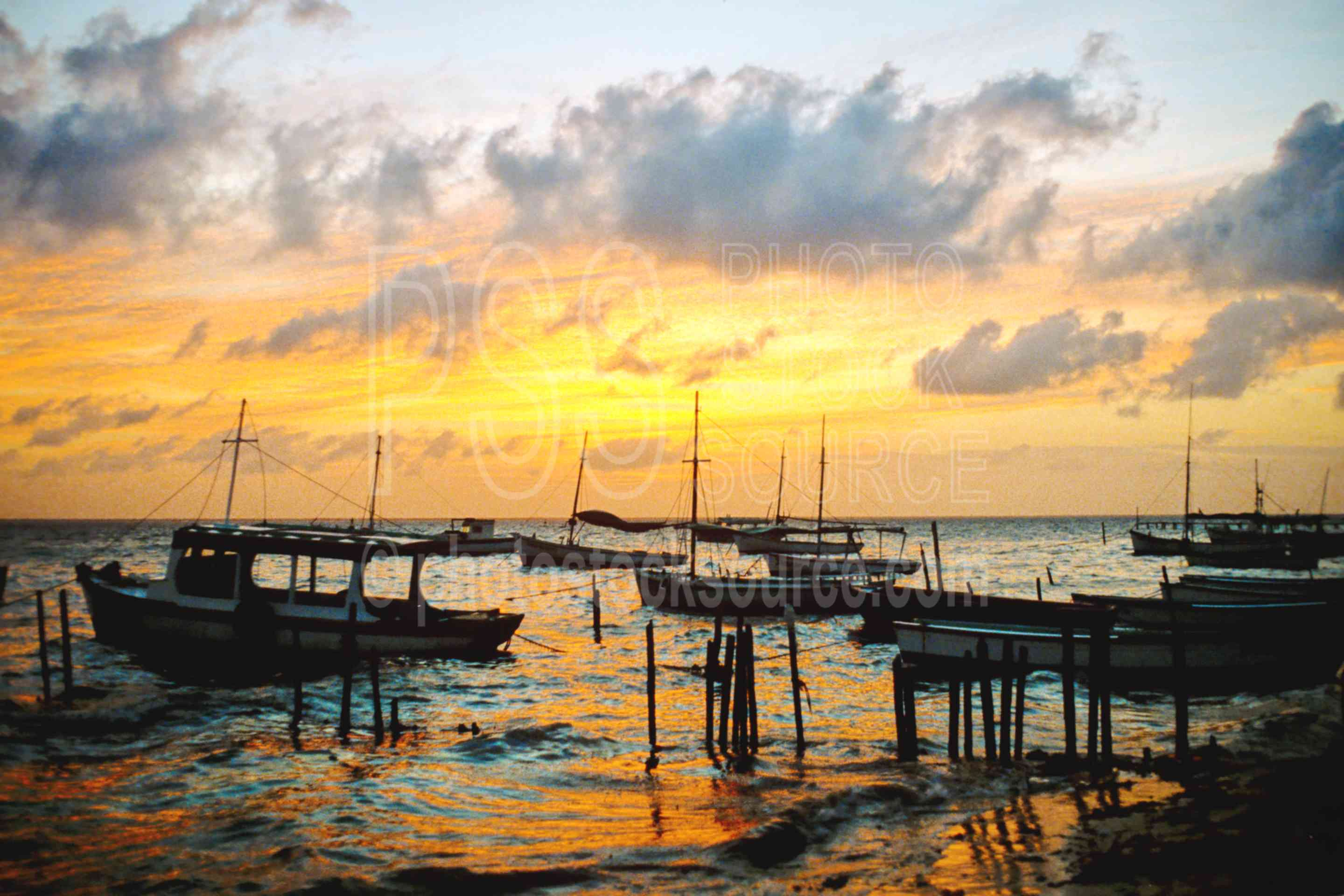 Boats at Sunset,harbor,sunset,boats