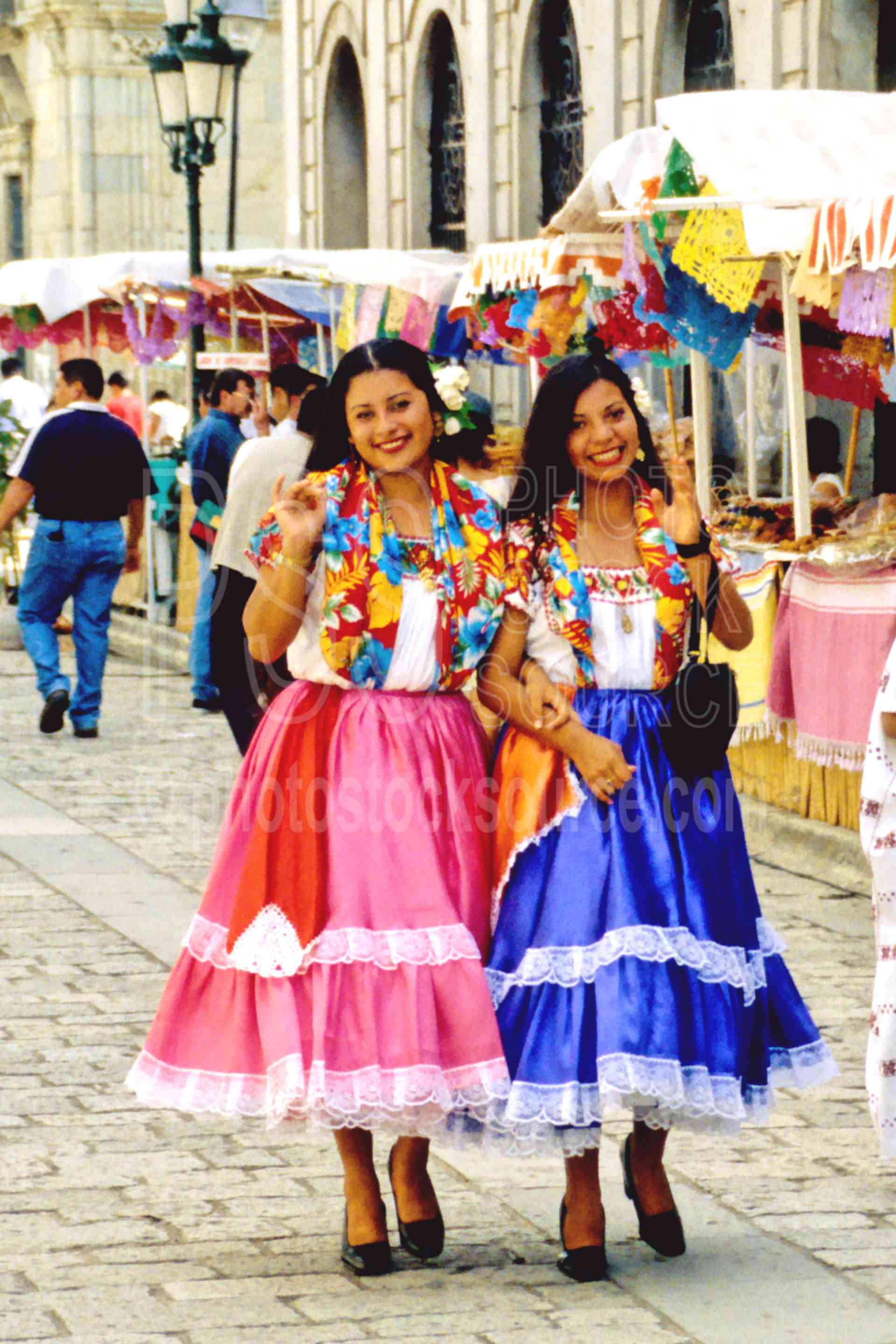 oaxaca girls Wondering which beach in oaxaca is best for you here are the best and the worst of each, plus recommendations for where to sleep, eat, and play.