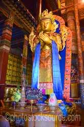 Migjed Janraisig Statue