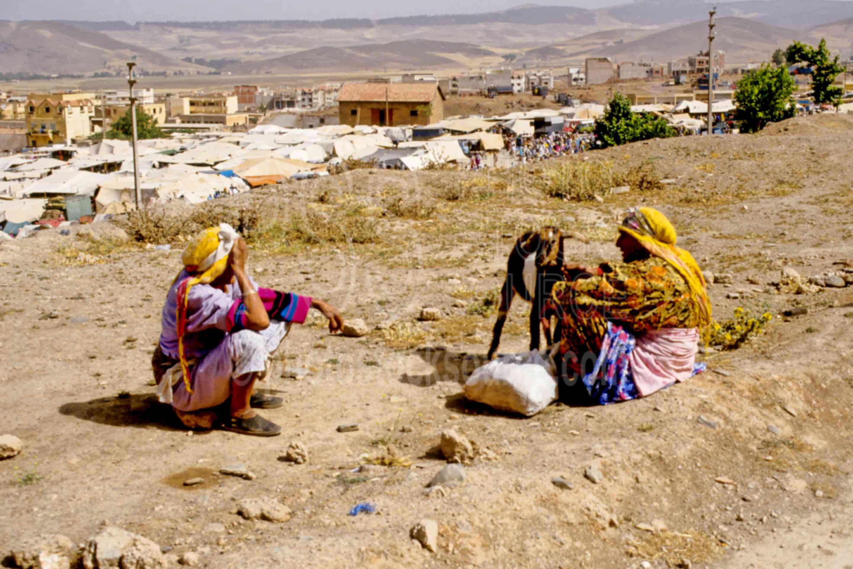 Women Visiting,women
