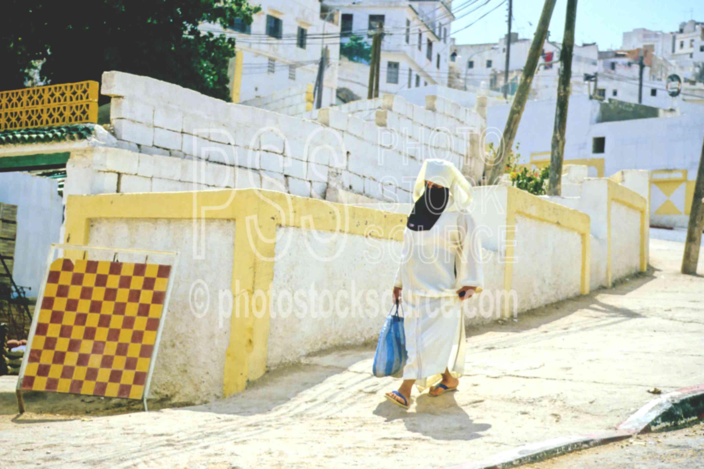 Sidewalk,djellaba,walk,woman