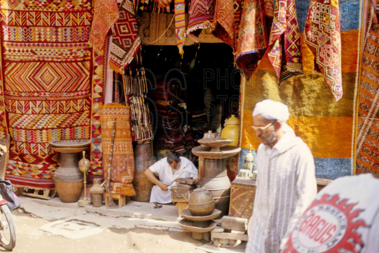Shop Vendor,market,medina,rugs,carpets,morocco markets