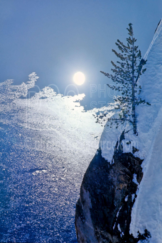 Crater Lake,reflection,snow,caldera,usas,winter,cold,lakes rivers,national park,nature