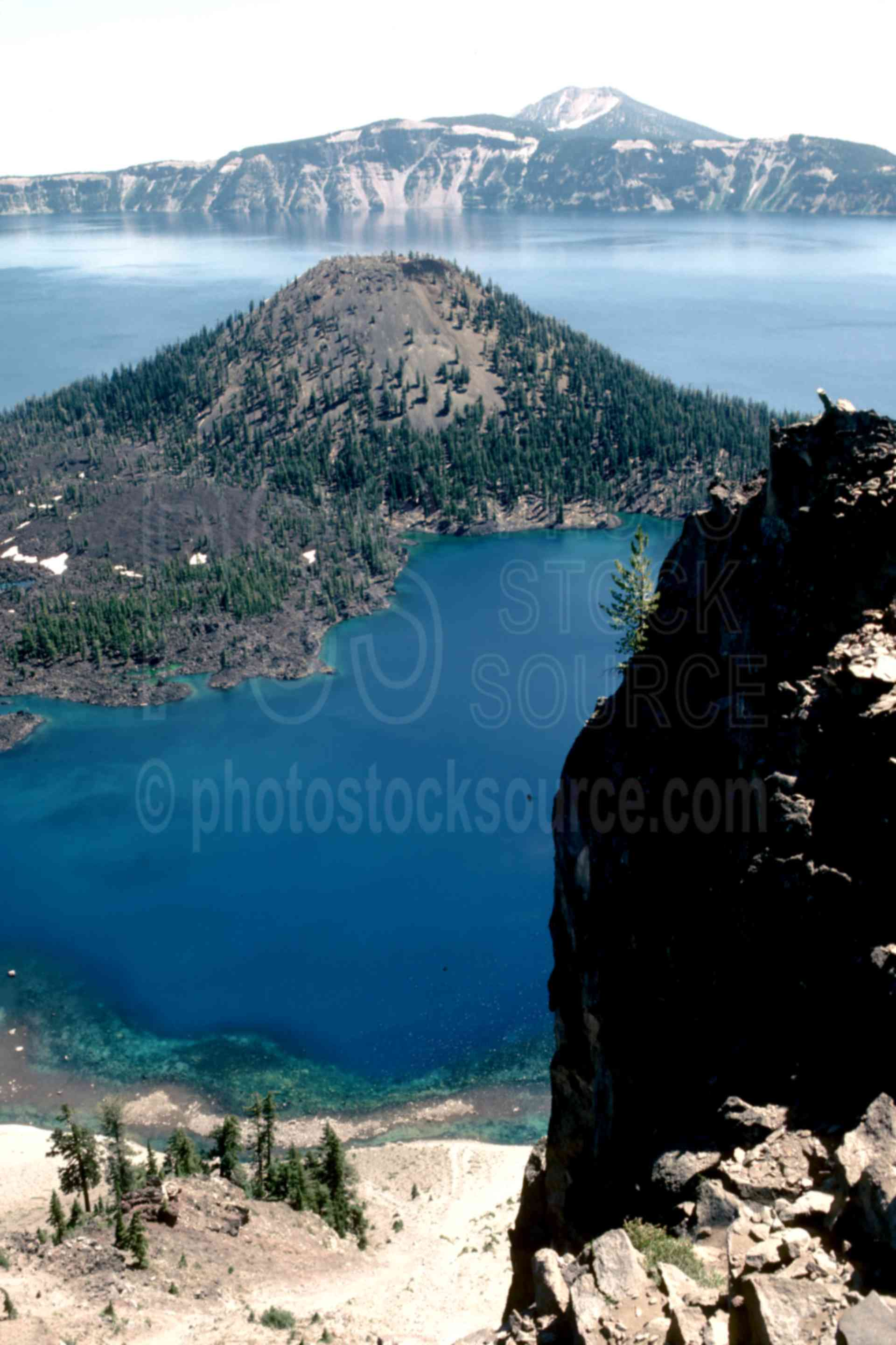 Wizard Island, Mount Scott,mount scott,wizard island,caldera,usas,national park,nature