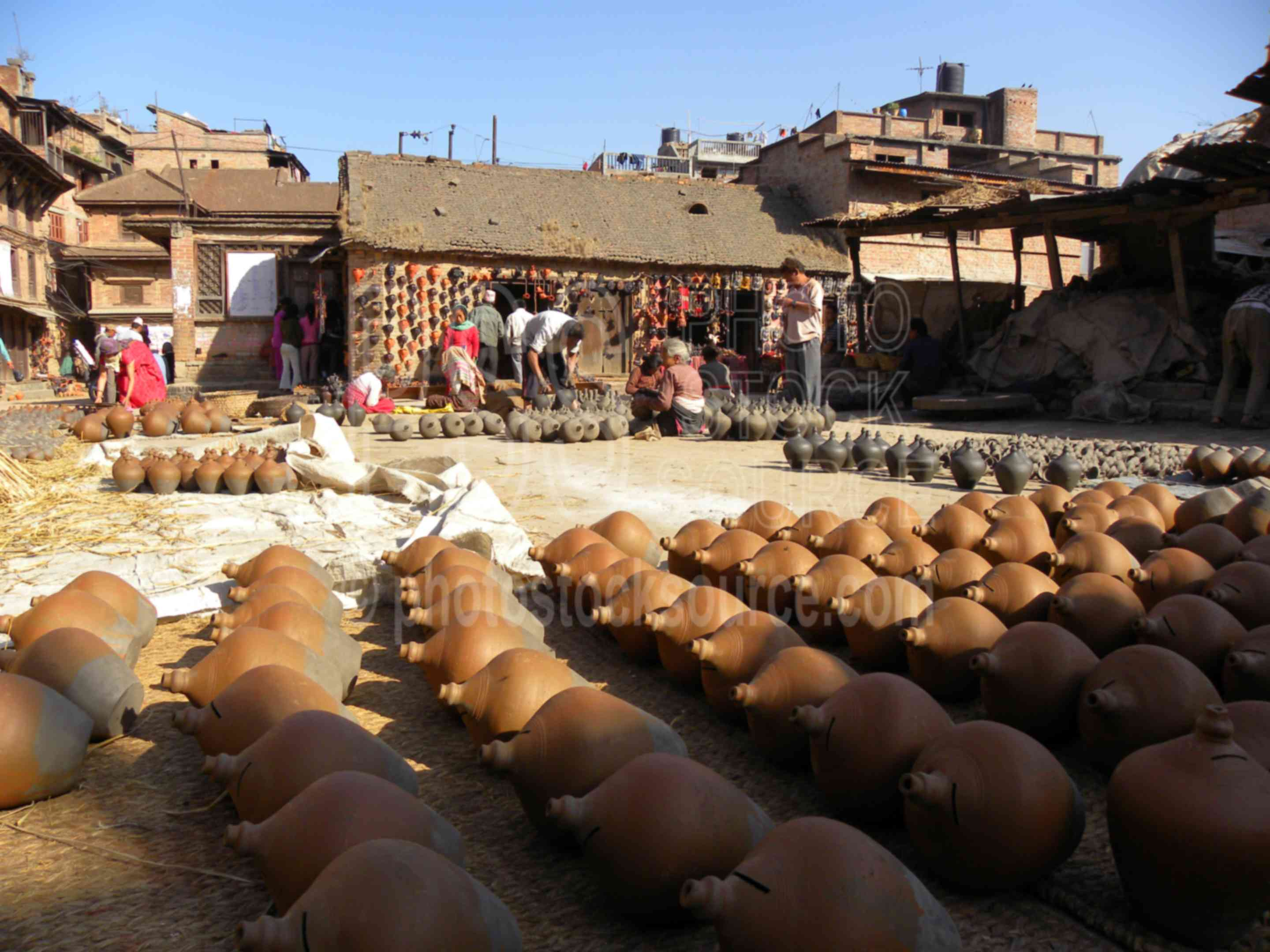 Potters Square,pots,drying,traditional,art,handicraft,clay,ceramics,pottery,markets