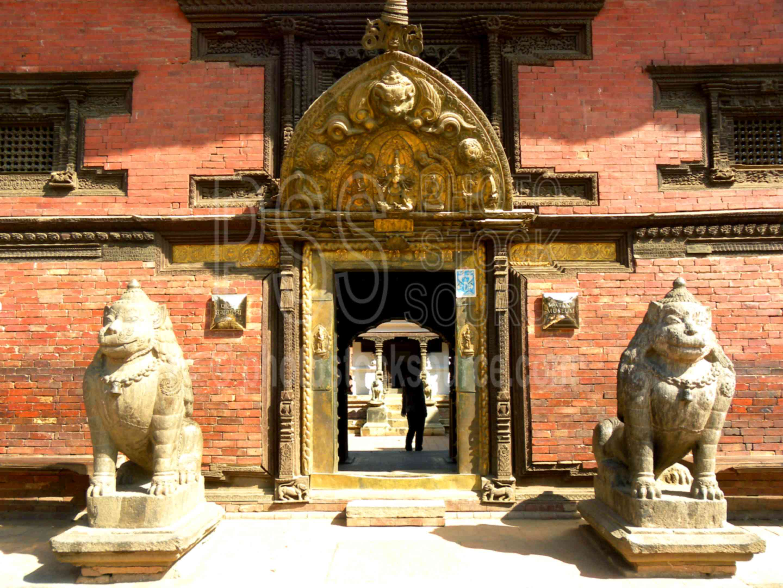 Mani Keshab Chowk Golden Gate,temple,statue,carving,sculpture,lion,keshab narayan chowk,gate,torana,temples