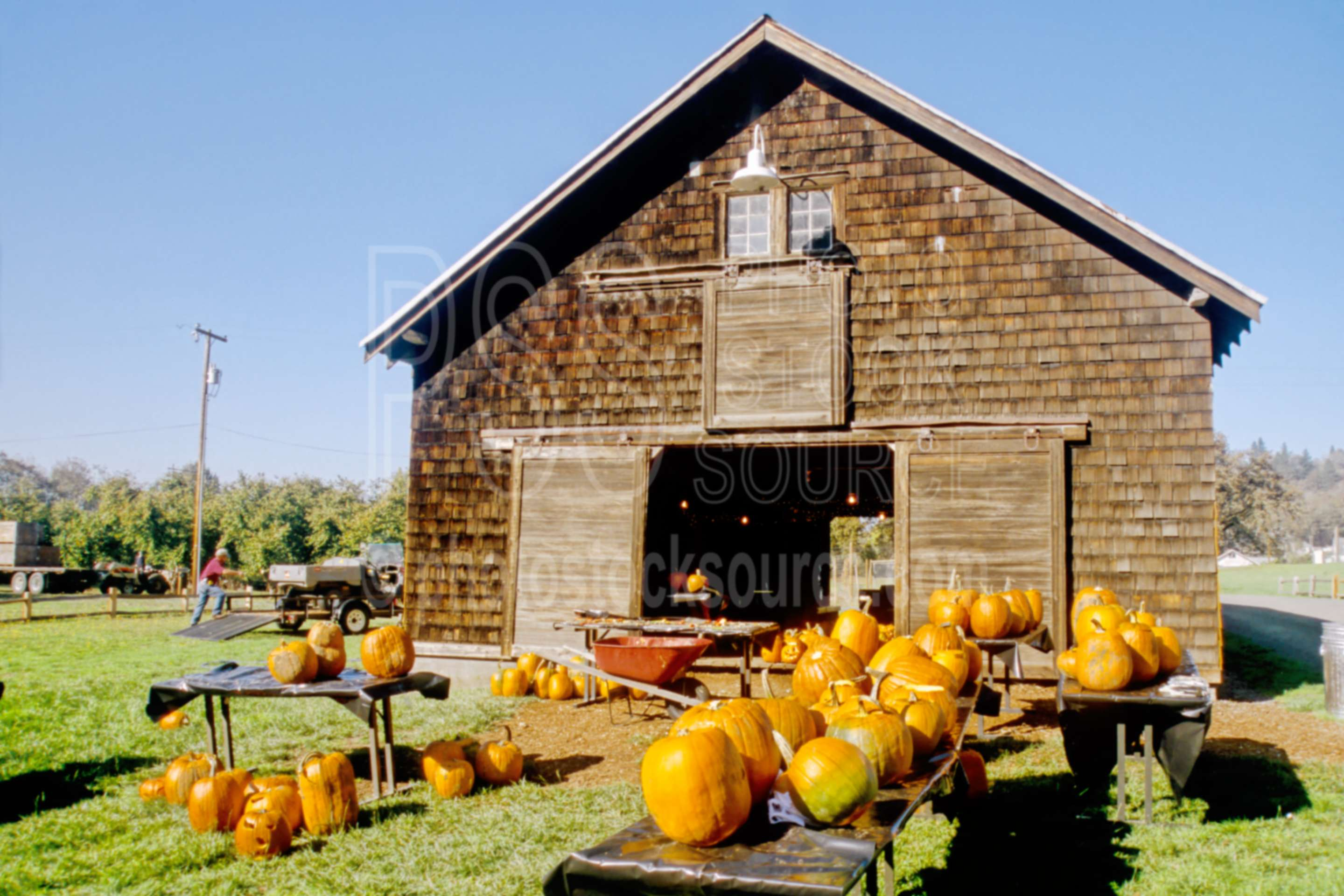 Photo of dorris ranch barn by photo stock source barn for Barn builders oregon