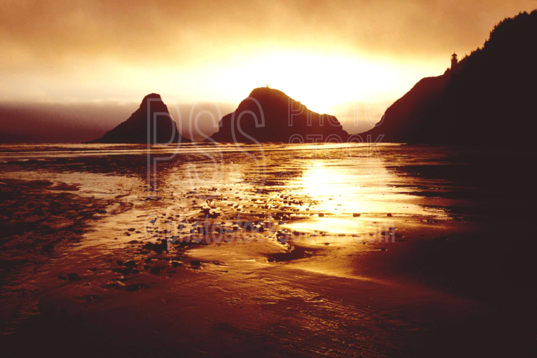 Heceta Head Sunset,cliff,cloud,coastline,sunset,usas,architecture,lighthouses