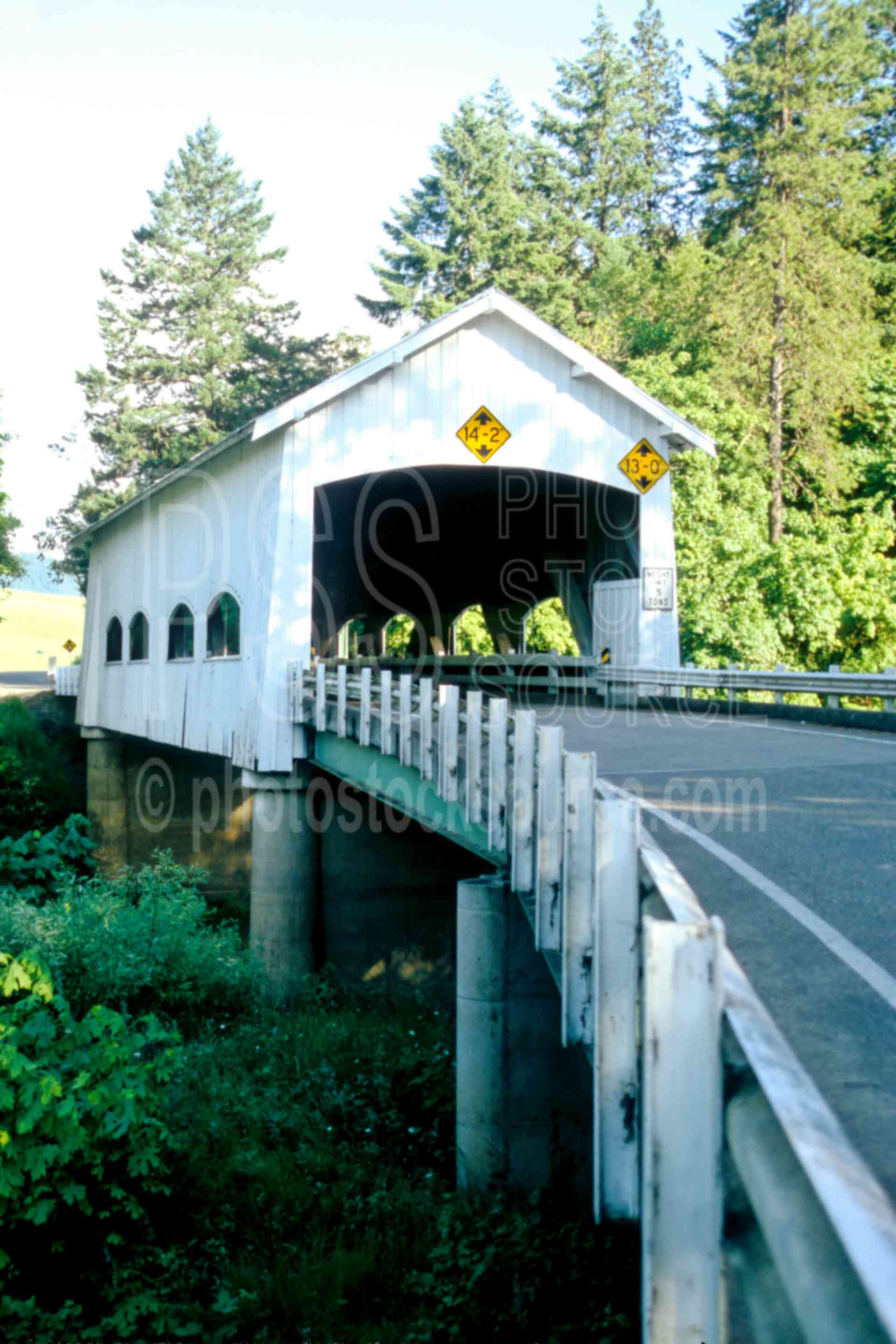 Rochester Covered Bridge,calapooya river,covered bridge,usas,lakes rivers,architecture,bridges