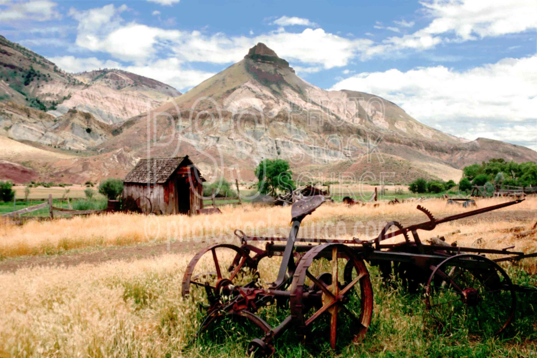 Sheep Rock,farm,john day river,rake,river,usas,lakes rivers,farms