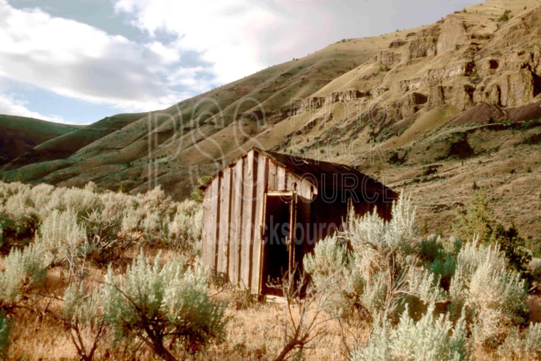 John Day River Shack,gorge,john day river,shack,usas,lakes rivers