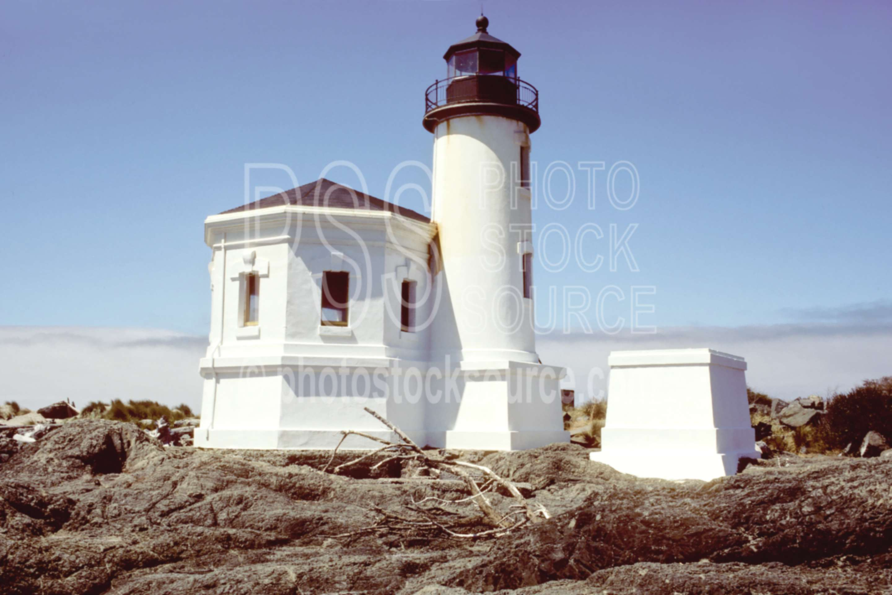 Coquille River Lighthouse,ocean,usas,lakes rivers,seascapes,architecture,lighthouses