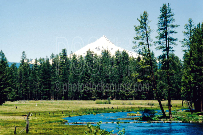 Mt. Jefferson,metolius river,headwaters,mount,usas,lakes rivers,mountains