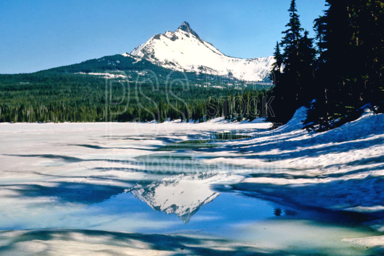 Mt. Washington,big lake,frozen lake,snow,winter,mount,season,usas,lakes rivers,mountains