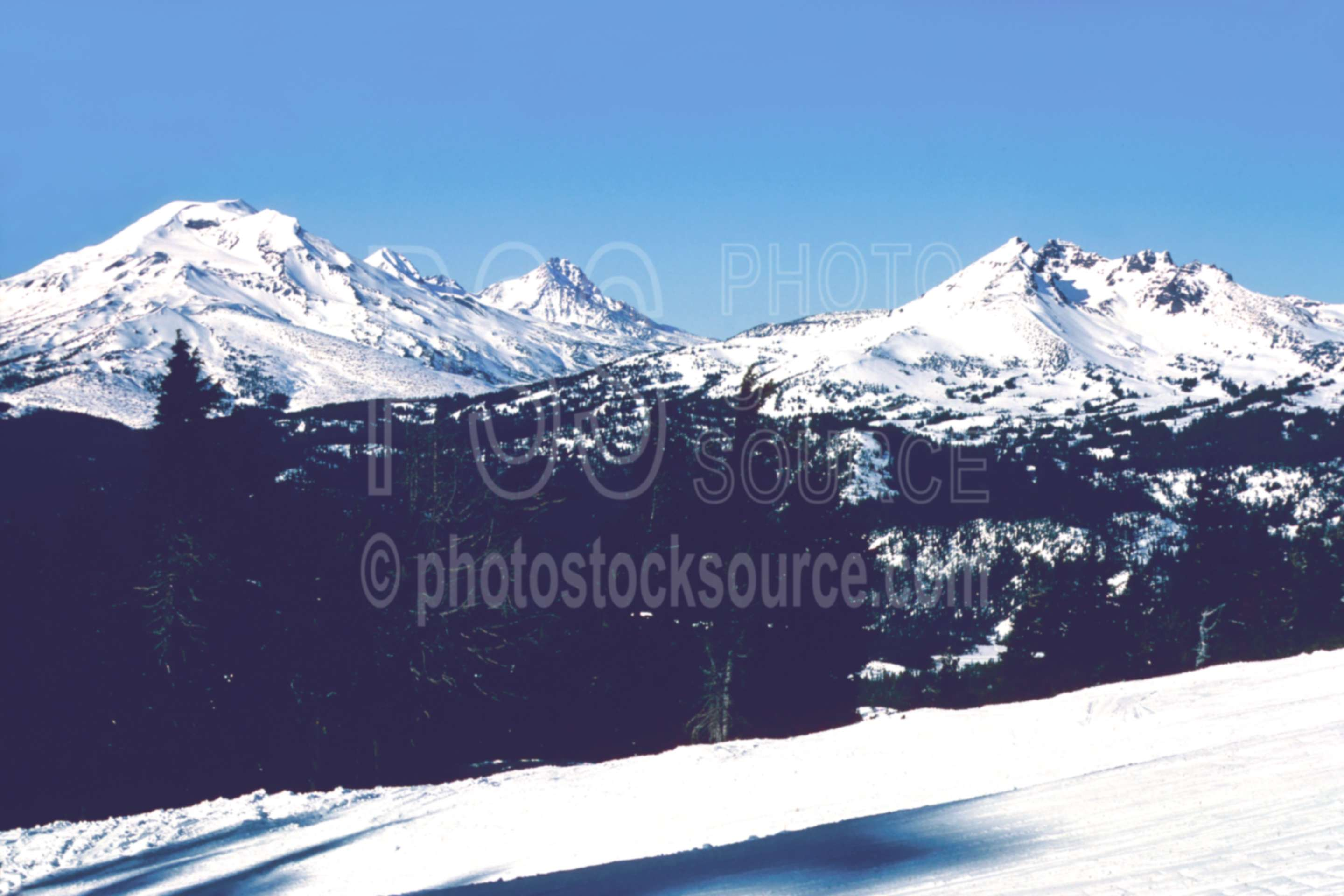 Three Sisters Broken Top,broken top,mt. bachelor,snow,three sisters,winter,season,usas,mountains