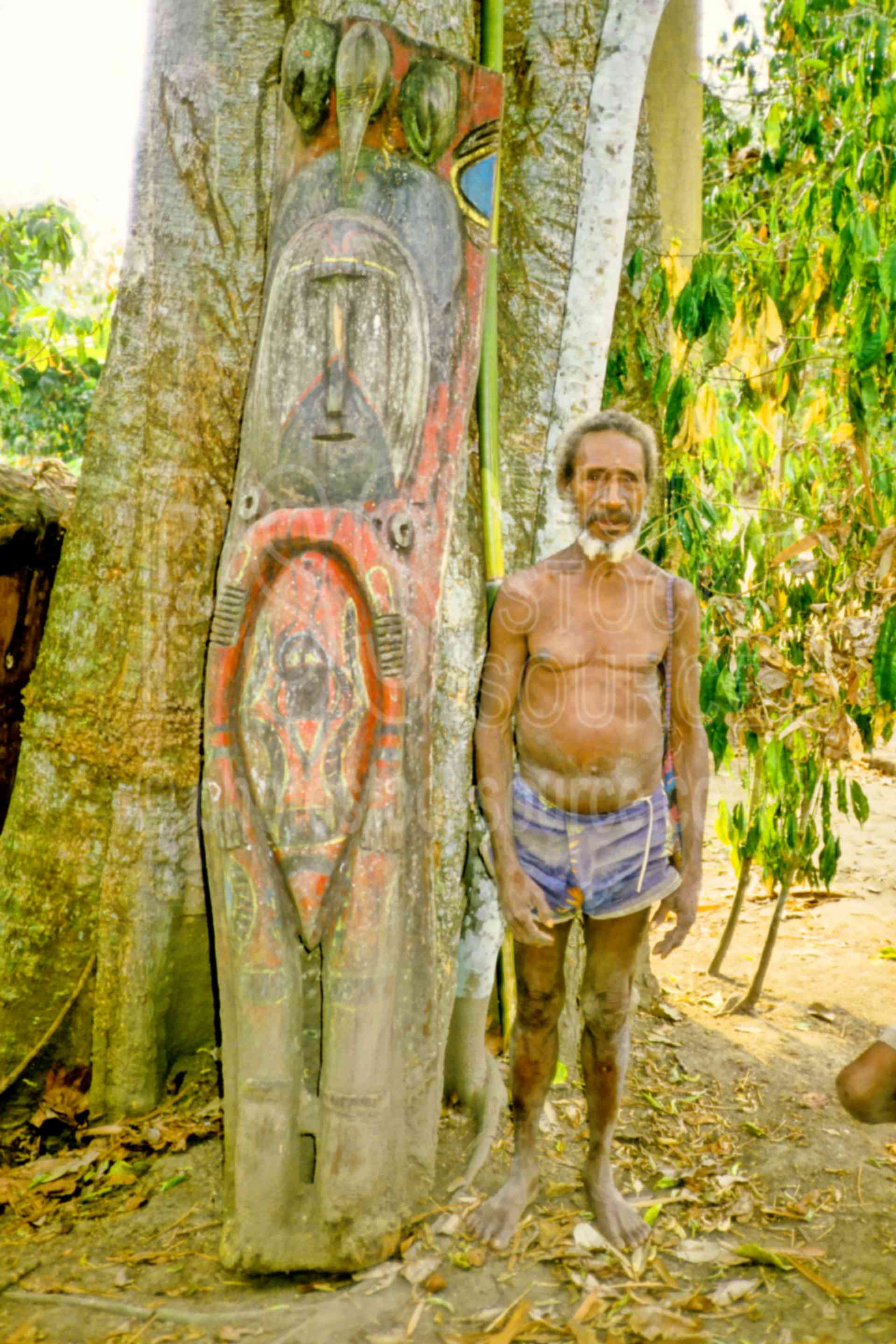 Man with Carving,arts,artifact,carving,mans,png markets