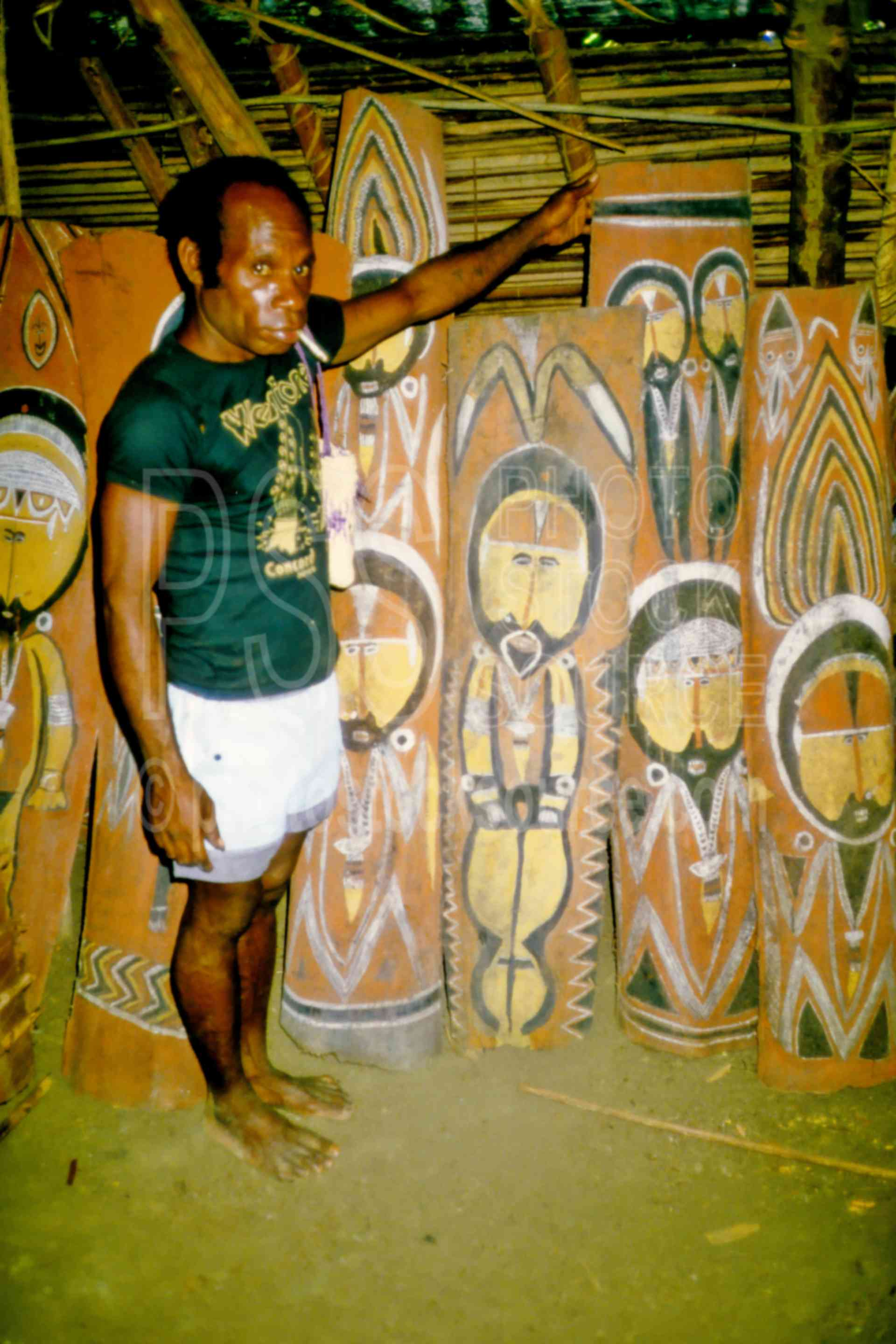 Wooden Carvings,arts,carving,sculpture,mans,people,png markets