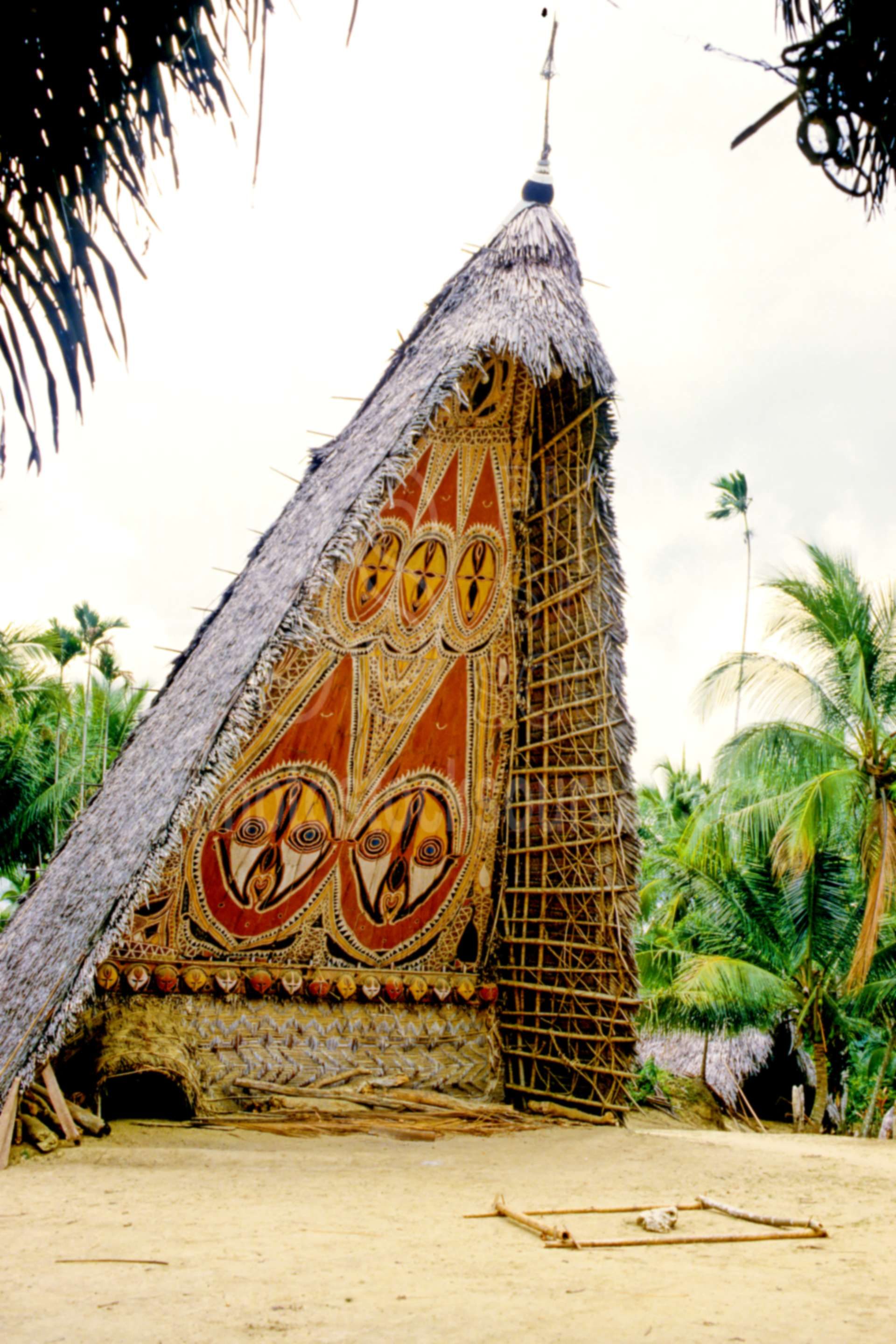 Haus Tambaran,ceremonial,house,huts,building,villages