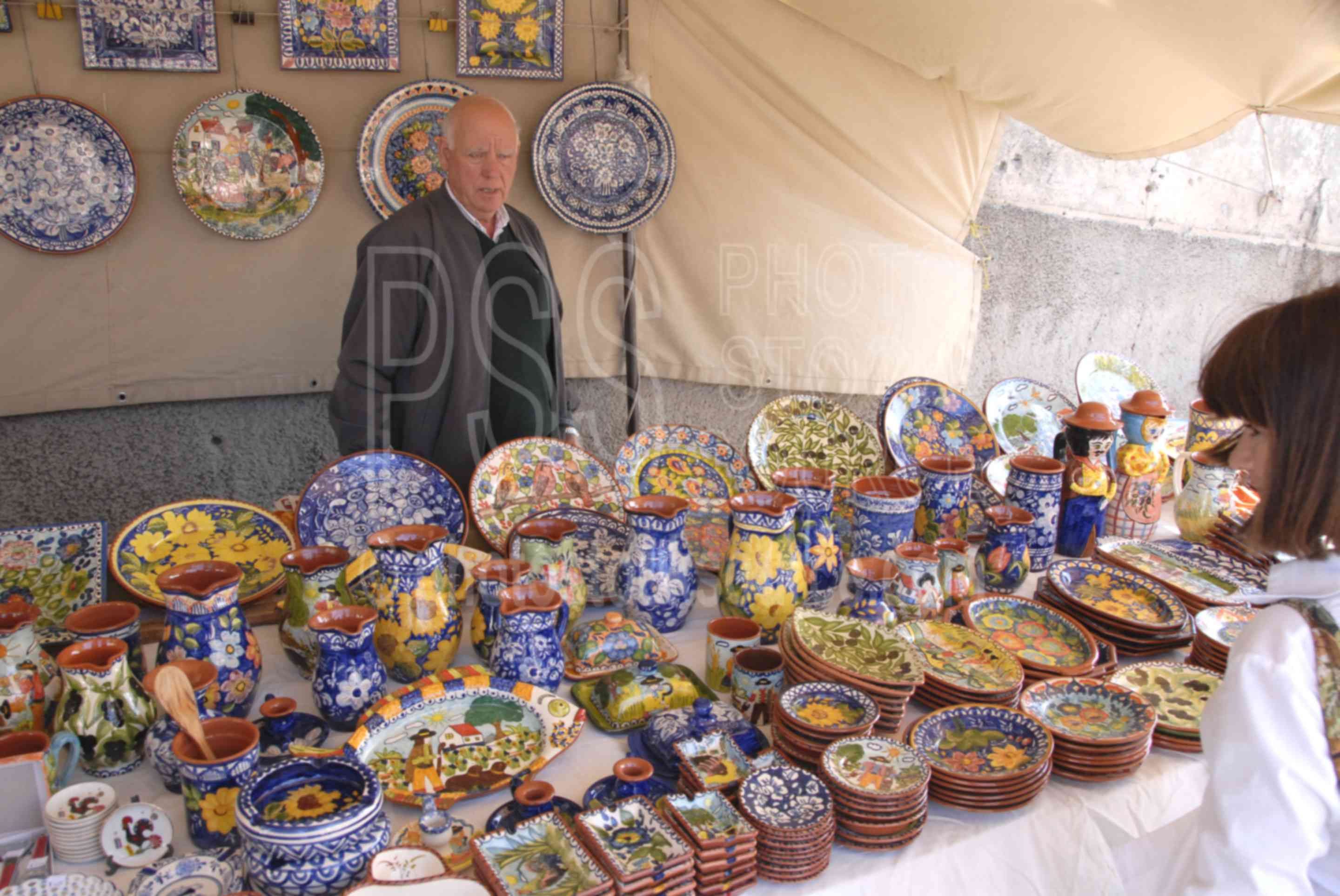 Ceramics Vendor,people,markets